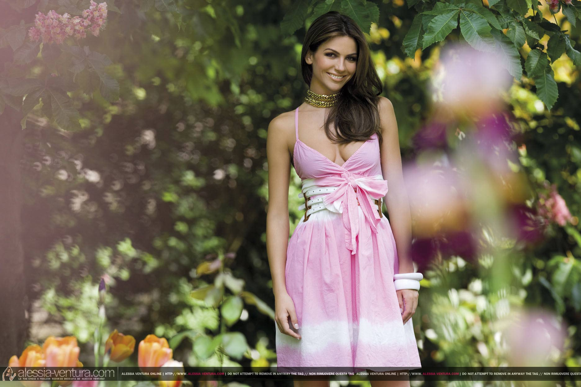Фото девушки летних платьях