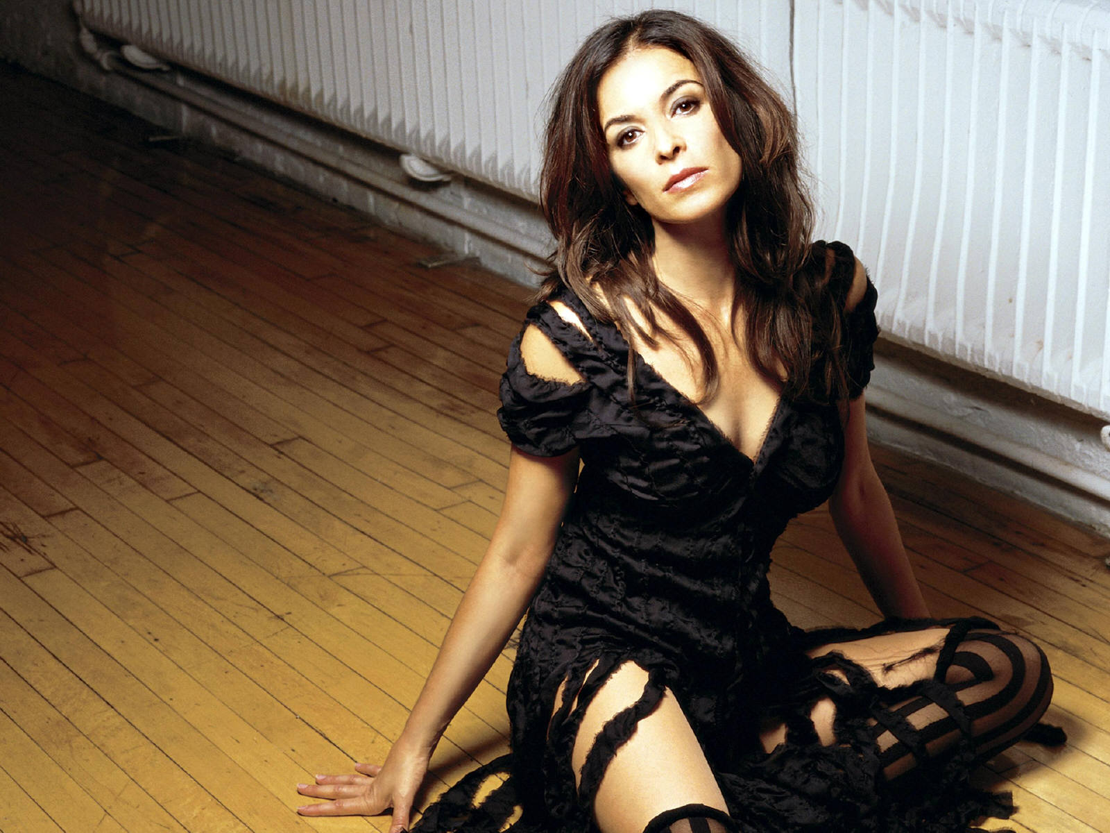 Annabella Sciorra photo #185932