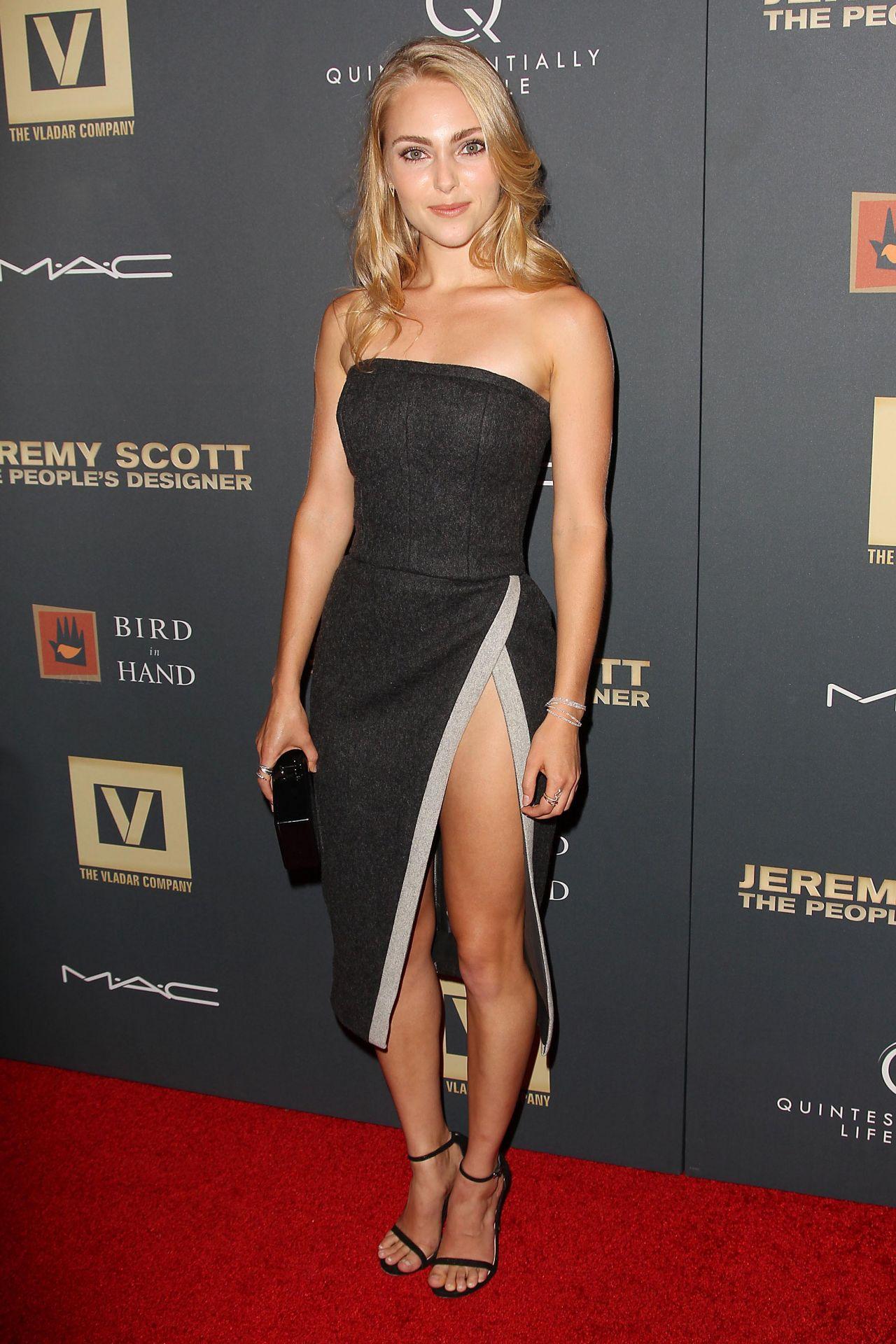 AnnaSophia Robb photo ... Amber Heard News