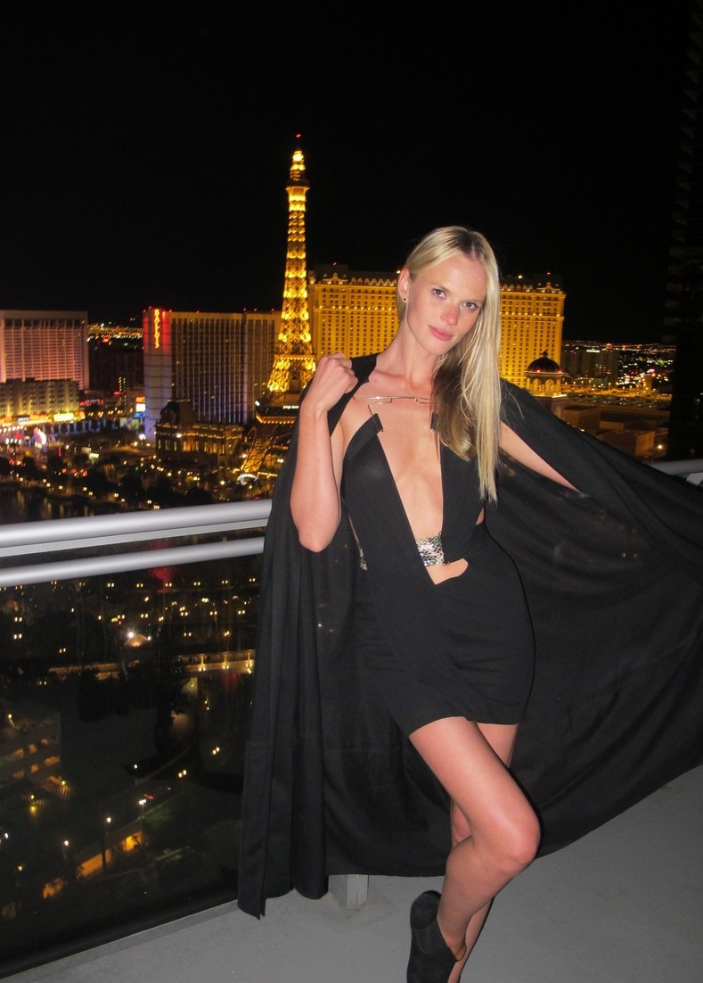 Anne Vyalitsyna photo #370520