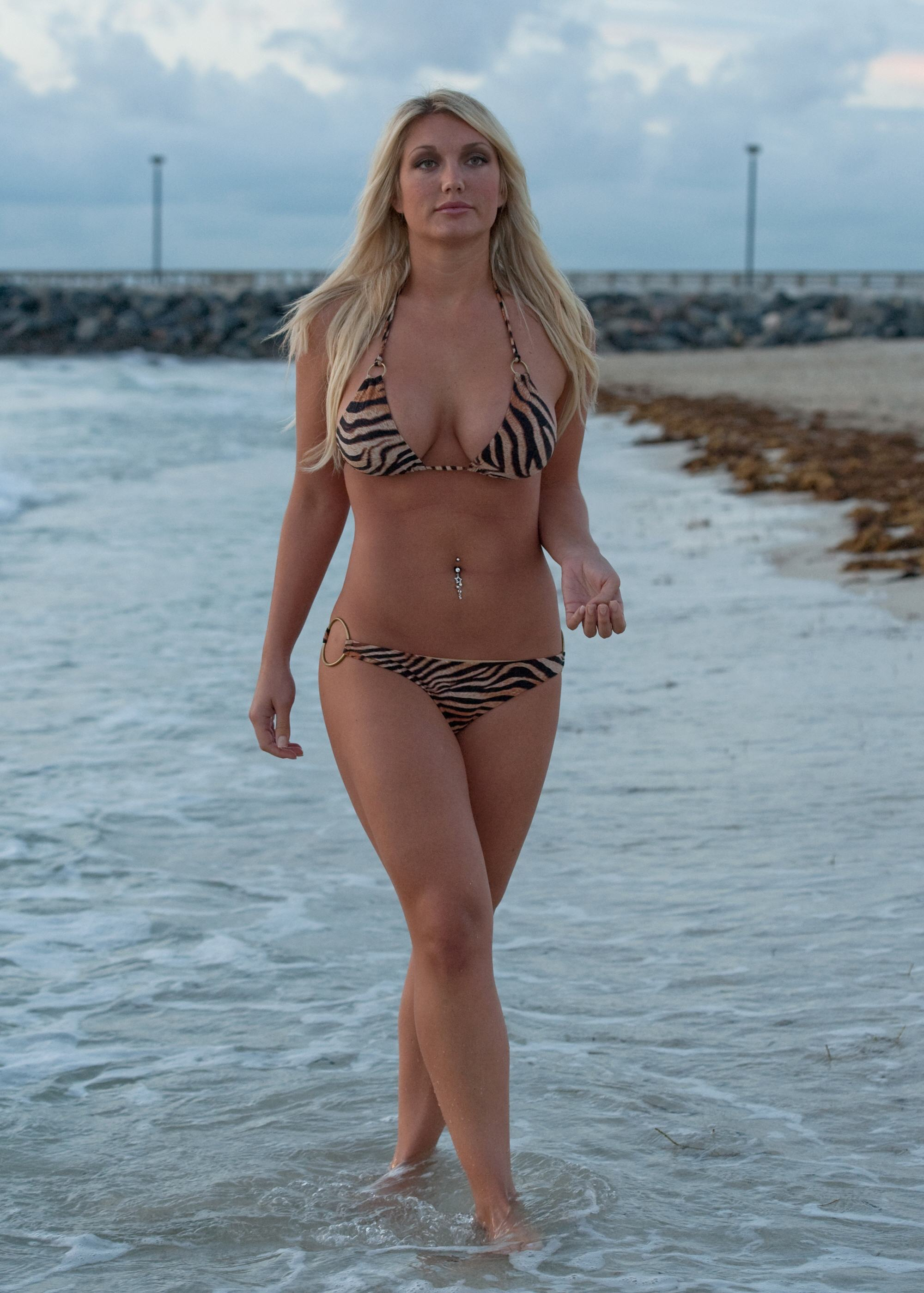 hot brooke hogan naked