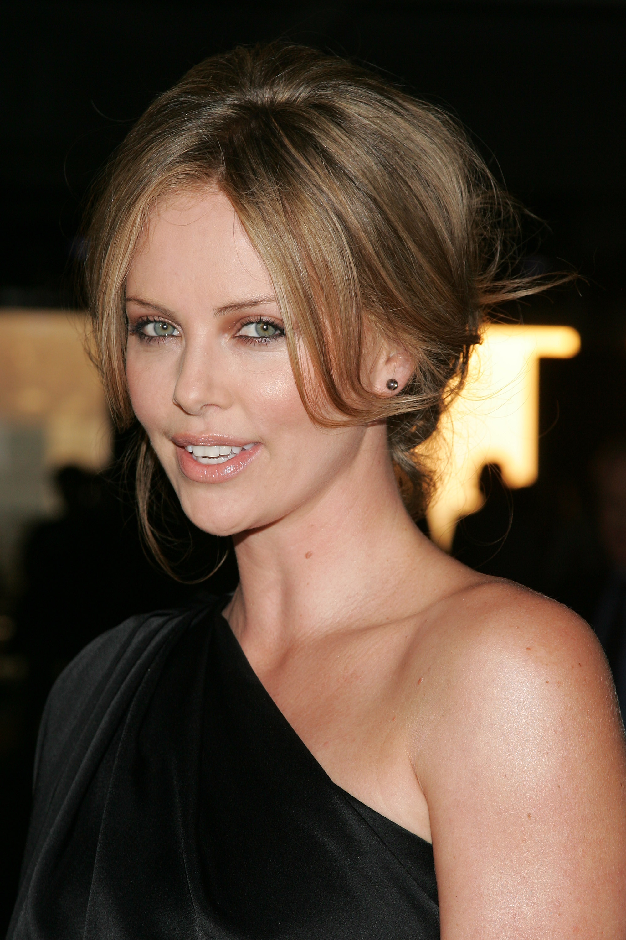Charlize Theron photo #143918