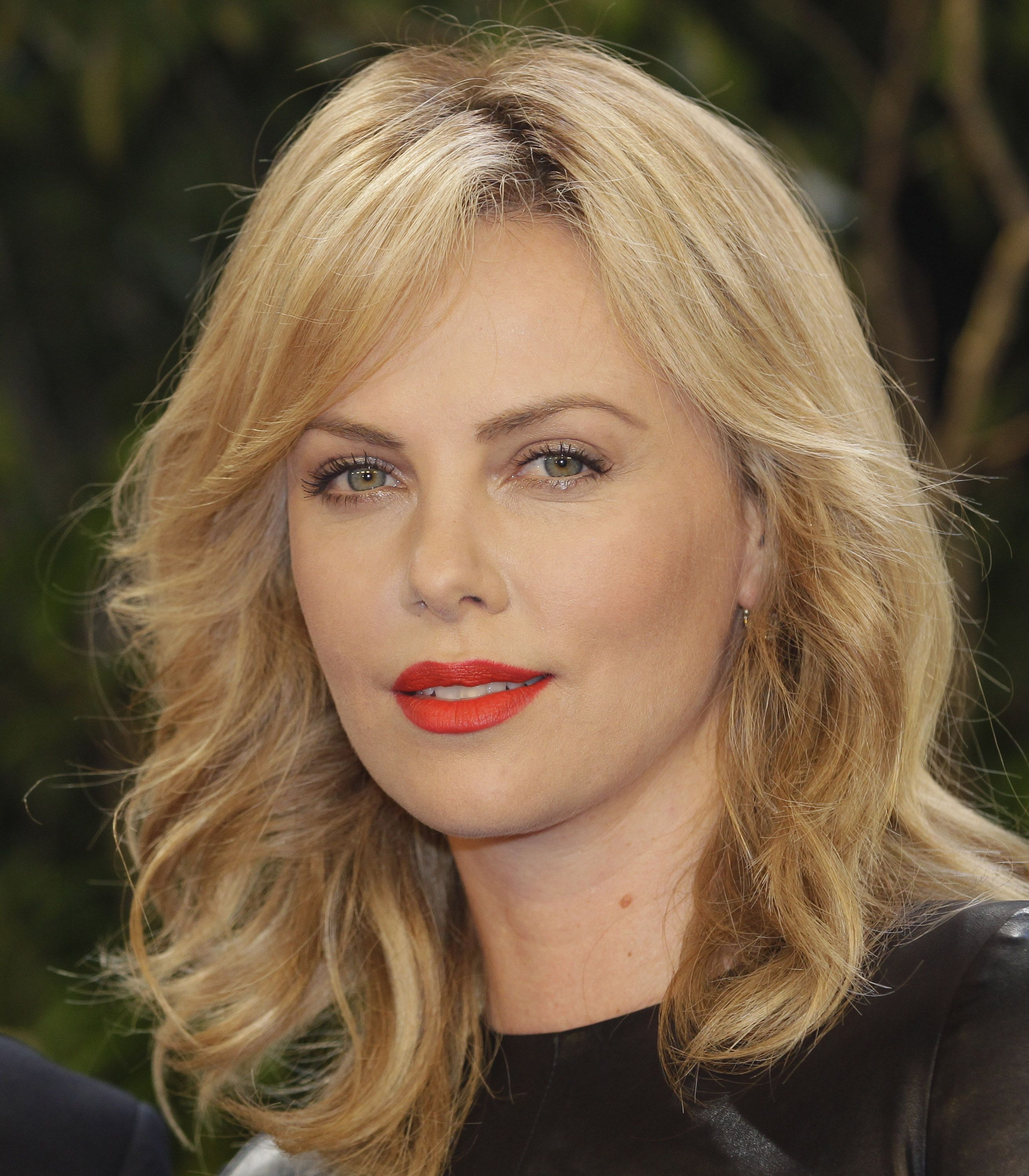 Charlize Theron photo #389620