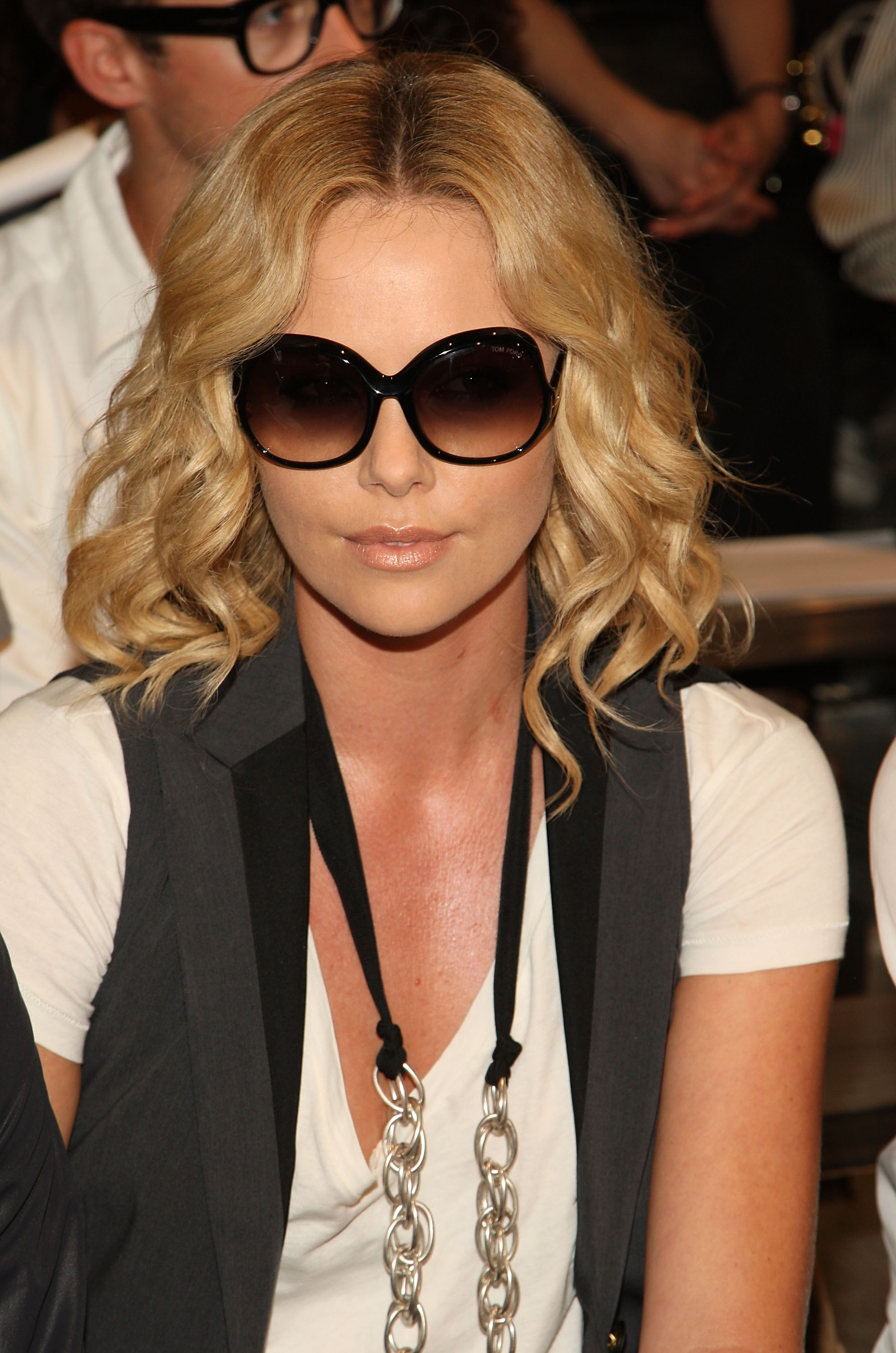 Charlize Theron photo #143921