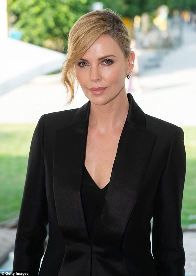 Charlize Theron photo #852631