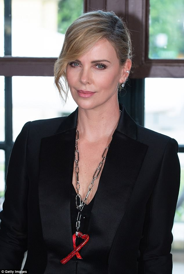 Charlize Theron photo #852628