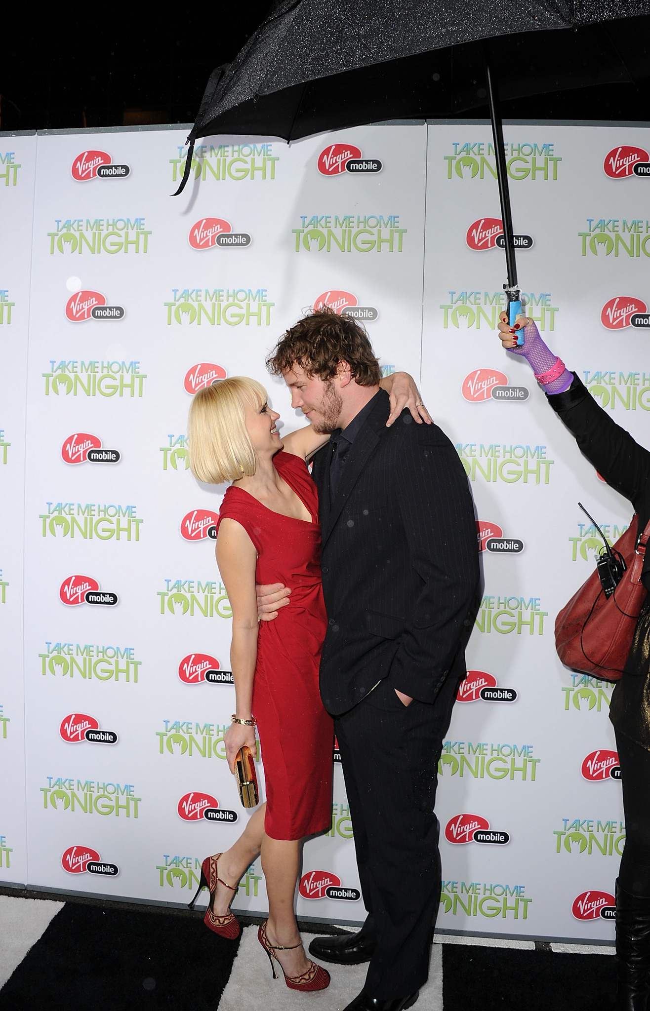 Anna Faris and Chris Pratt at event of Take Me Home Tonight (2011) photo #489219