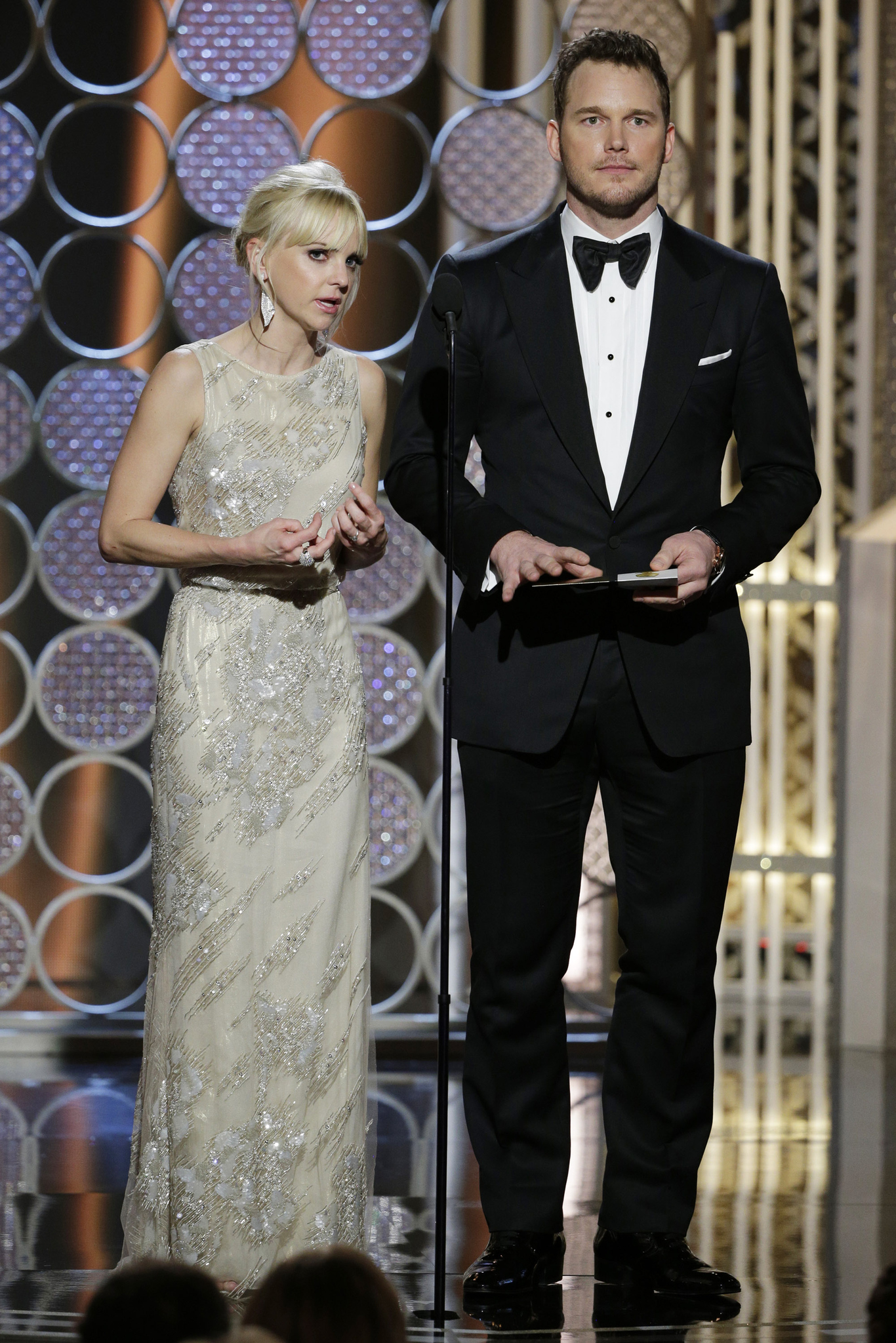 Anna Faris and Chris Pratt at event of 72nd Golden Globe Awards (2015) photo #489103