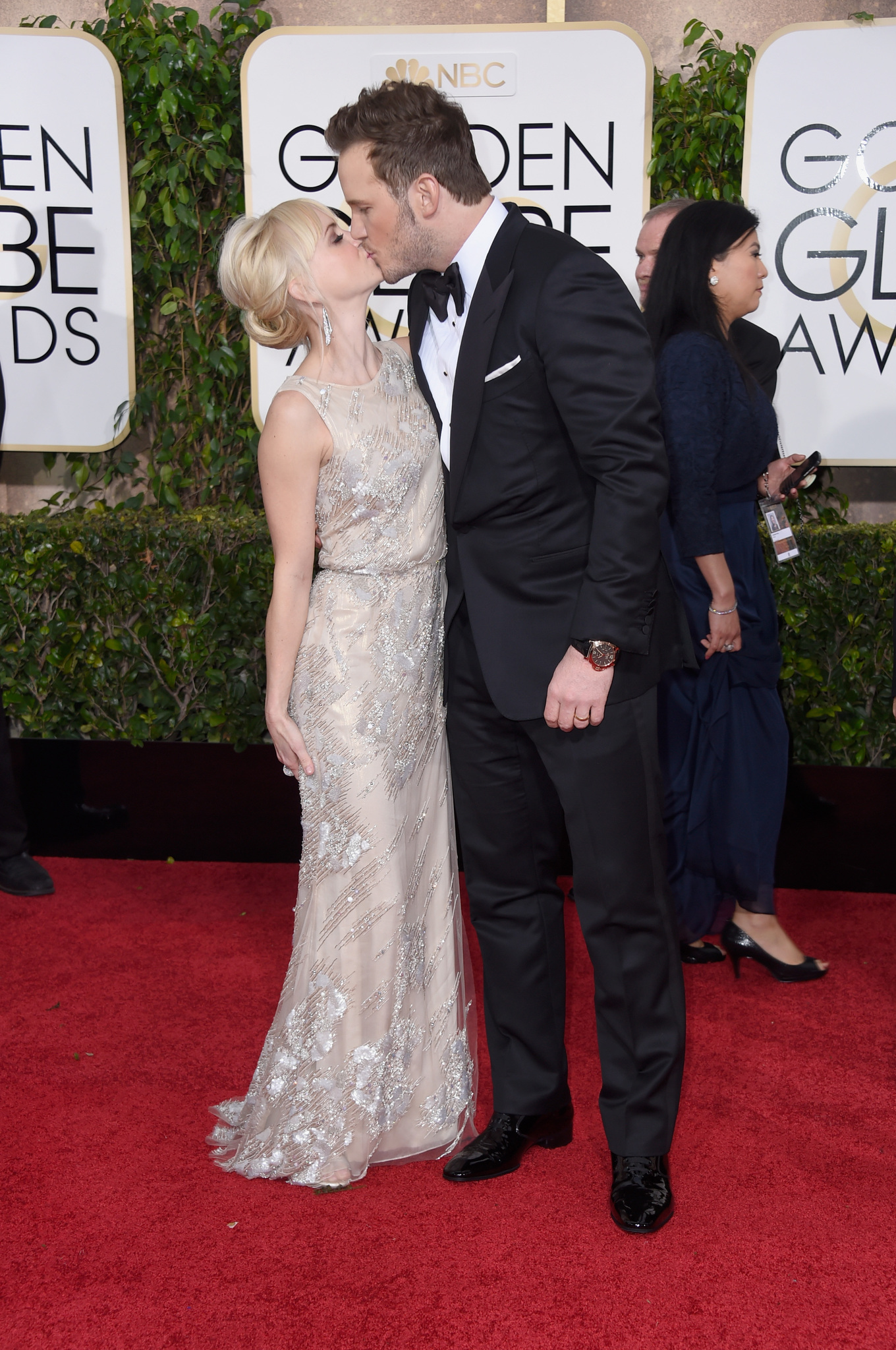 Anna Faris and Chris Pratt at event of 72nd Golden Globe Awards (2015) photo #489104