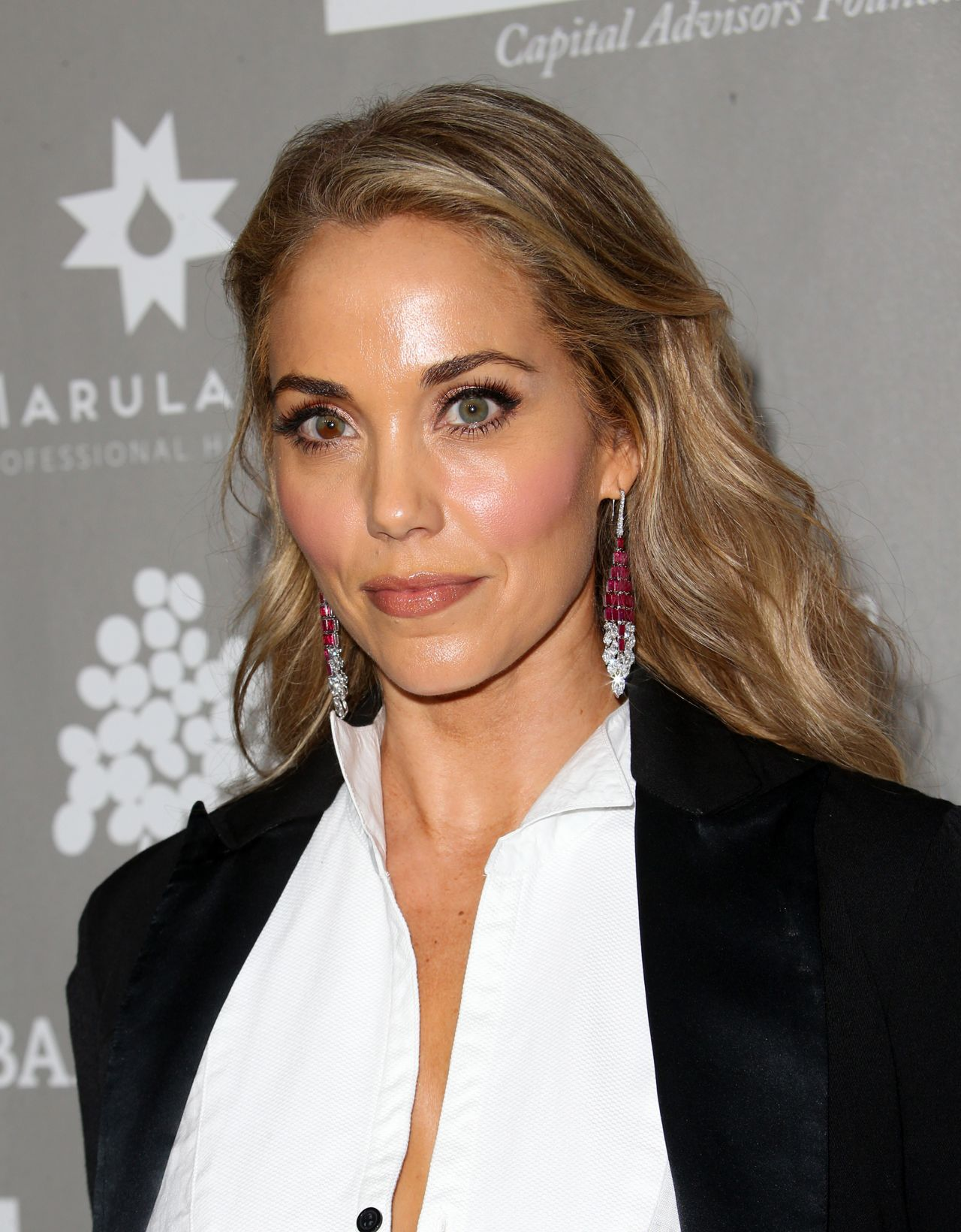 Elizabeth Berkley photo #687121
