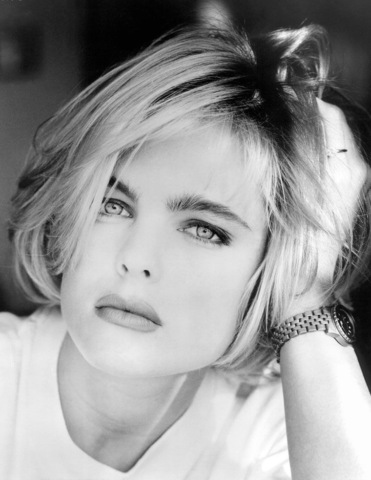 Erika Eleniak photo #178686