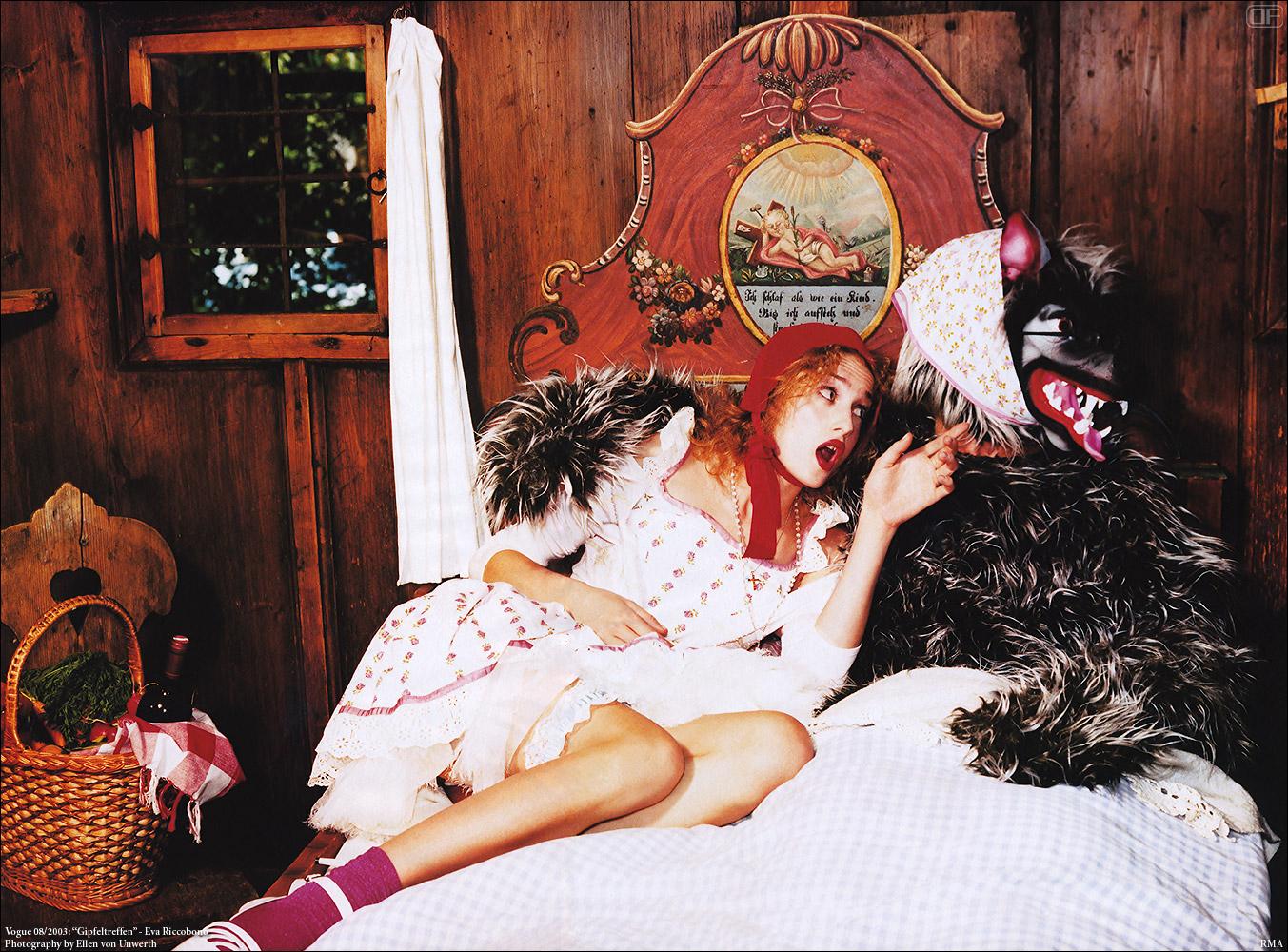 Сексуальные ролевые игры в красную шапочку 20 фотография
