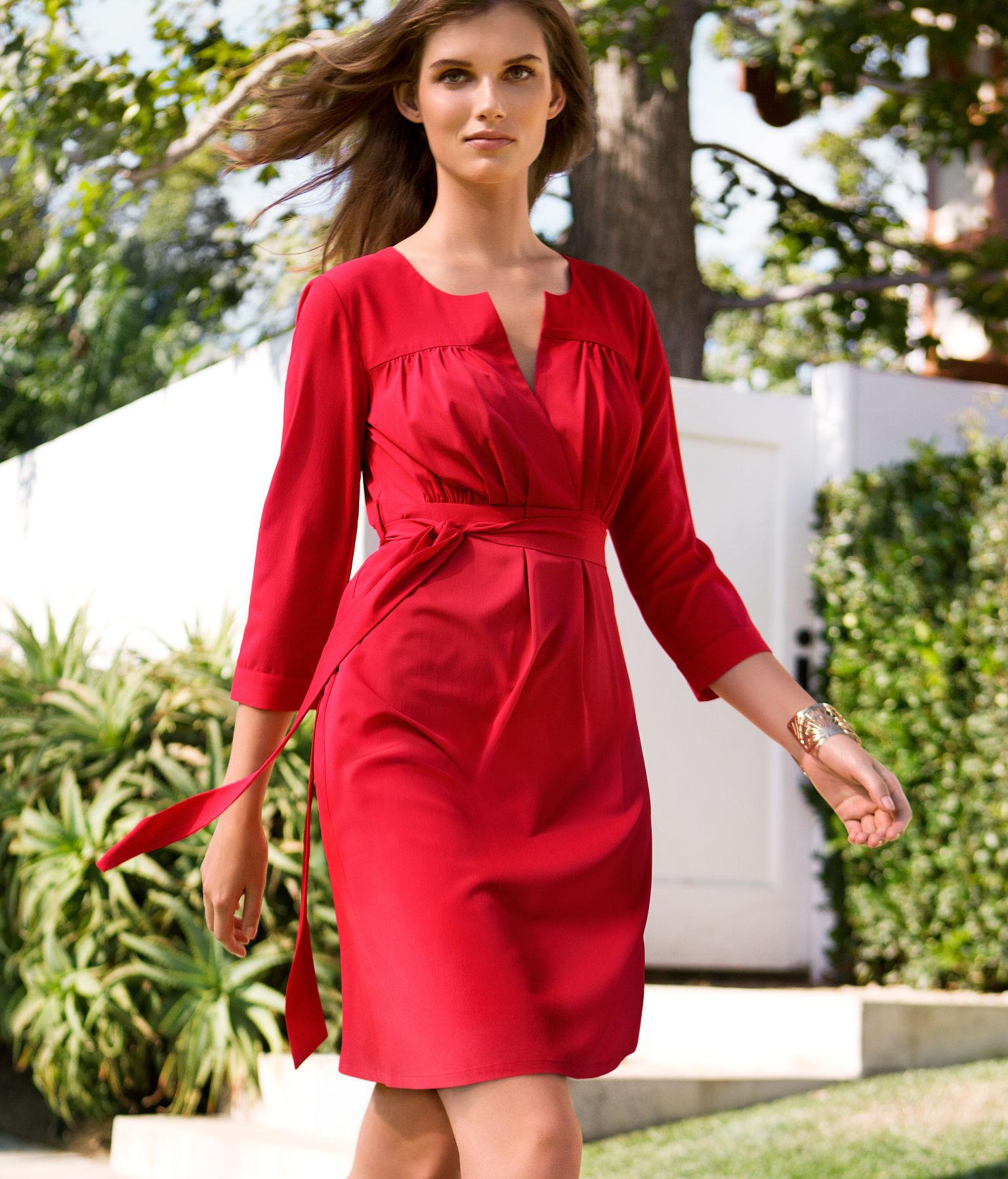 Красивые платья для женщин за 50 фото