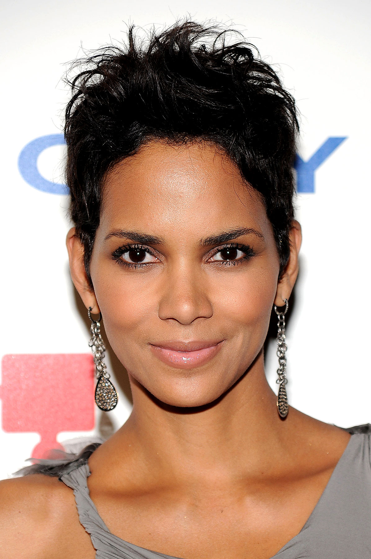 hair styles for oval faces halle berry photo 112680 place 1766