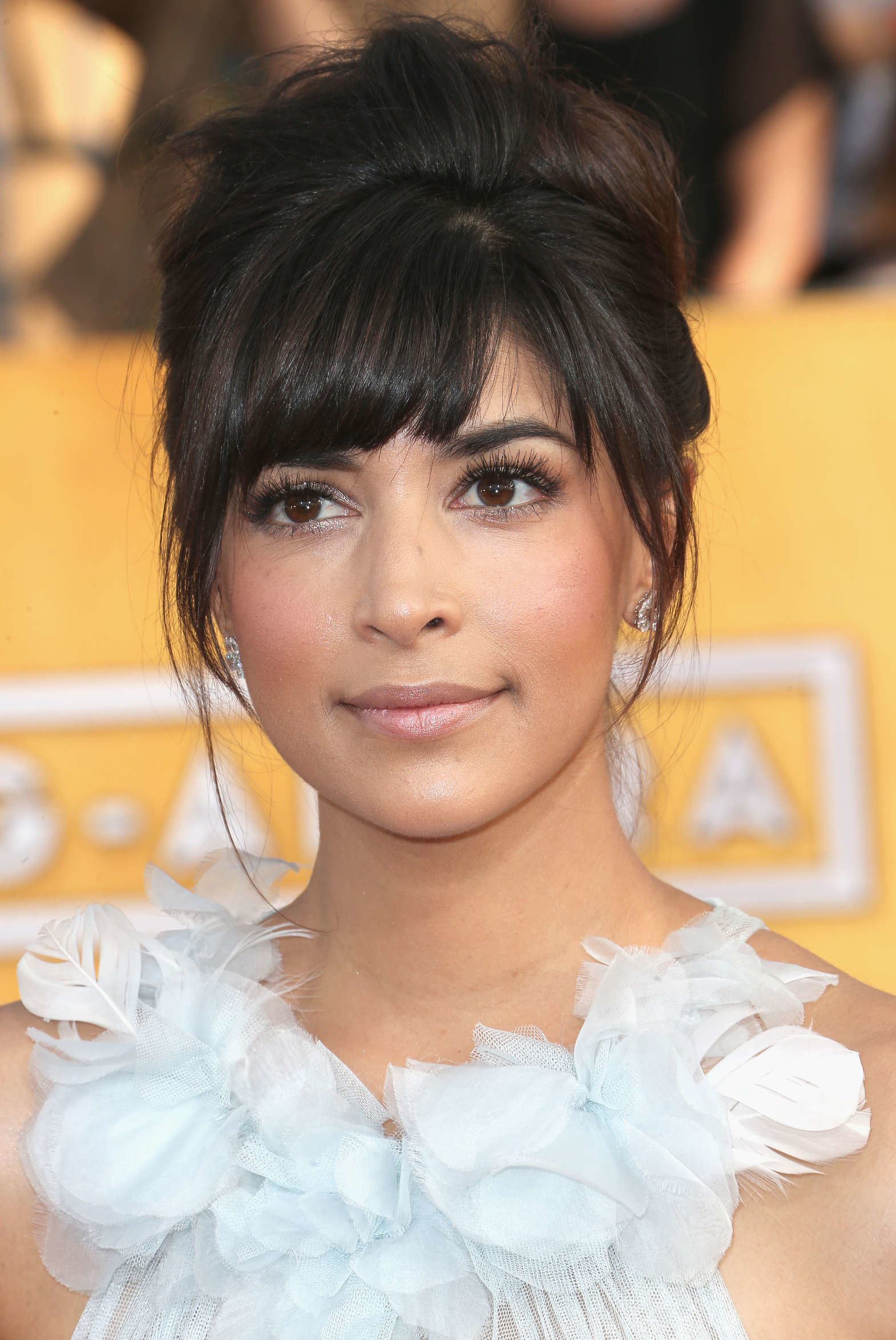 Hannah Simone Photo Gallery 59 Best Hannah Simone Pics