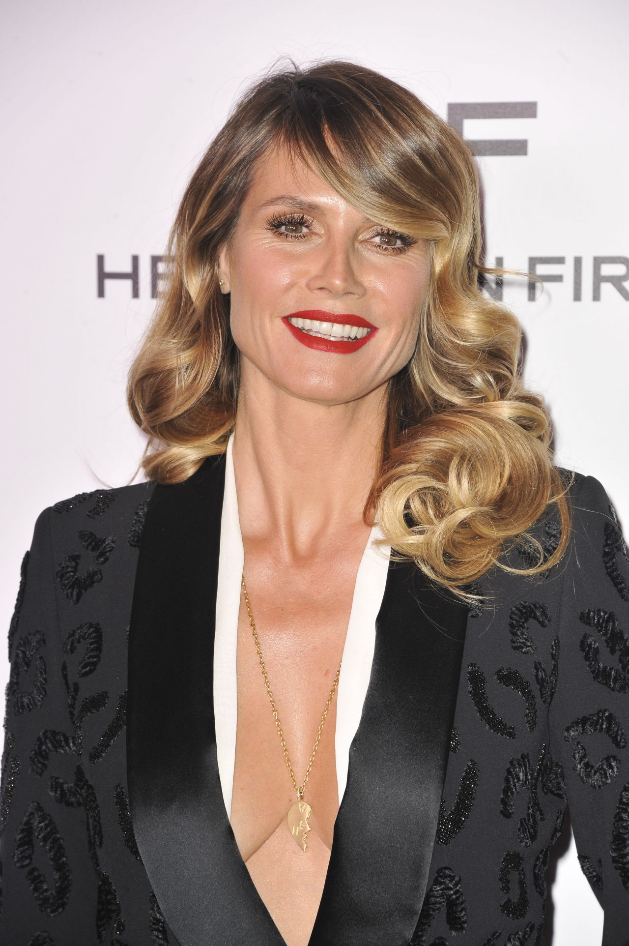 heidi klum photo gallery 2853 best heidi klum pics celebs. Black Bedroom Furniture Sets. Home Design Ideas
