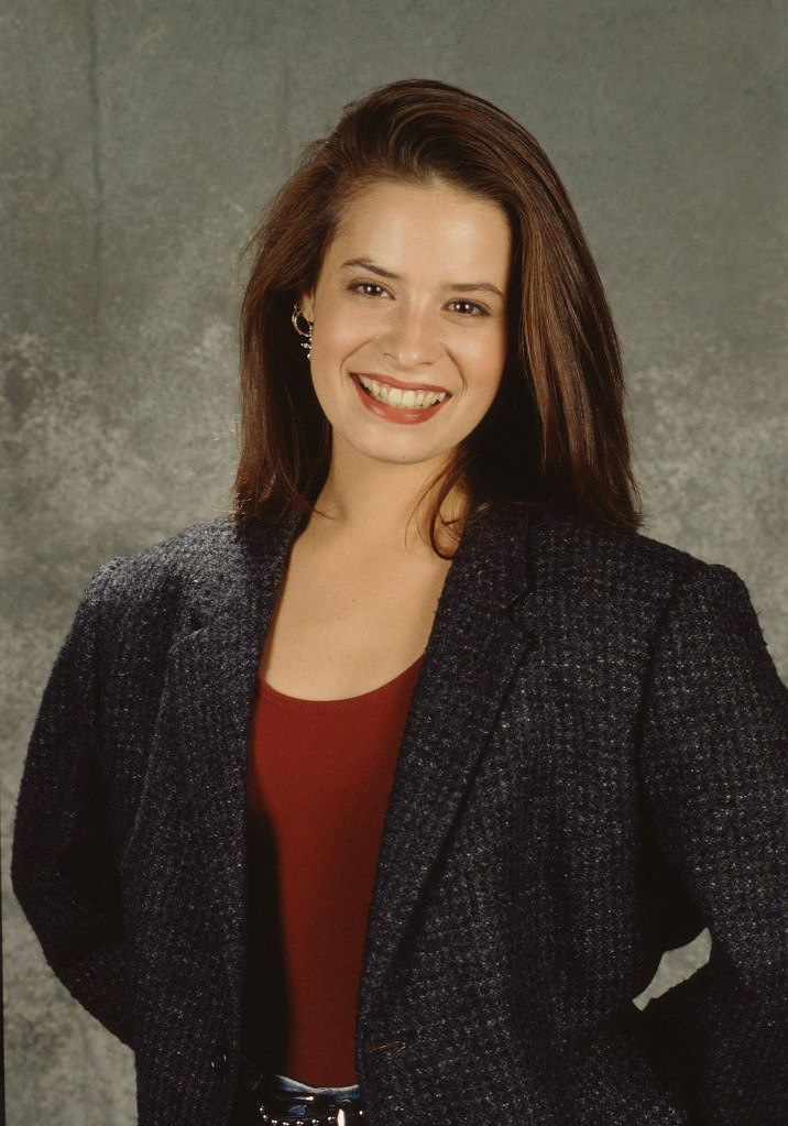 Holly Marie Combs photo gallery - page #2   Celebs-Place.com