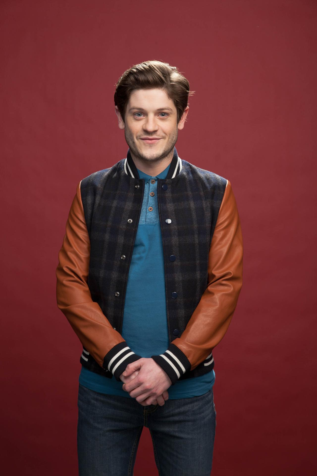 Iwan Rheon photo galle... Daniel Craig