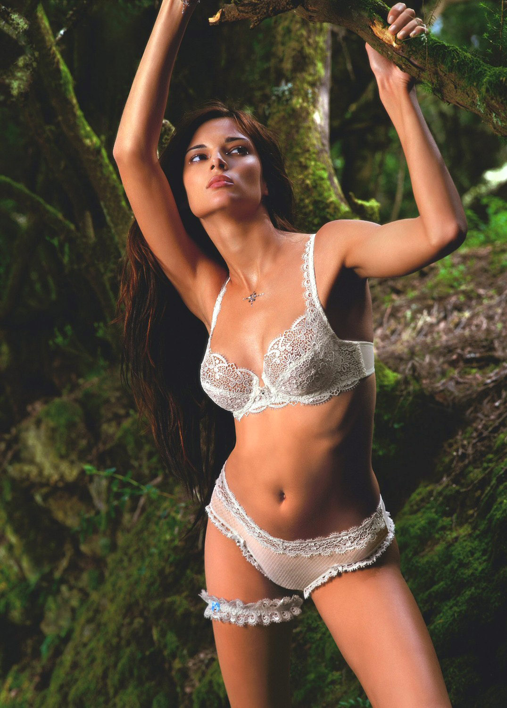 Kaley Cuoco Nude Photos Revealed 150 Pics  Celeb Masta