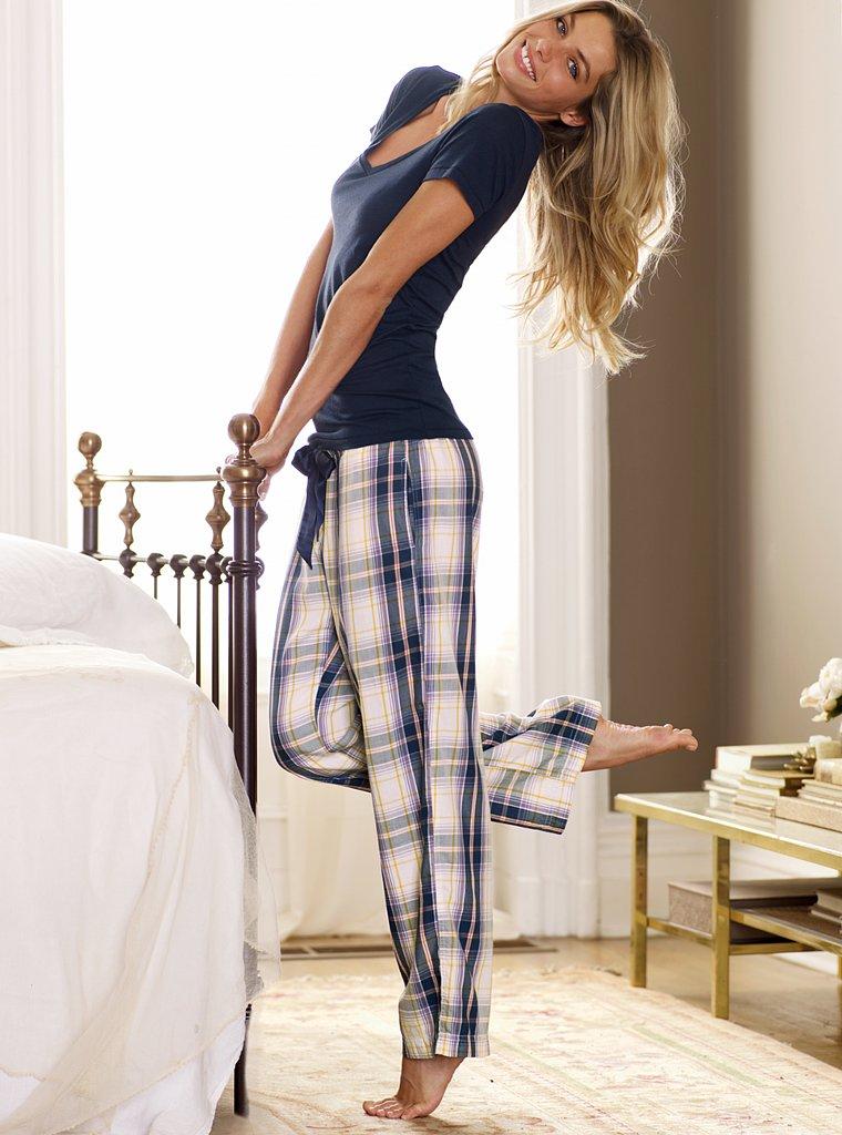 домашнее фото девушек в одежде