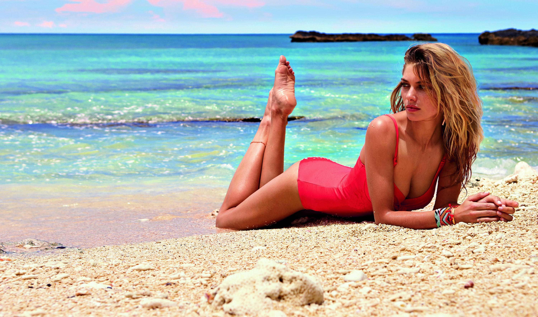 Как сделать красивое фото на море полной девушке