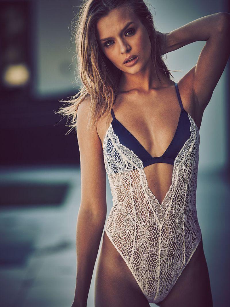 Josephine Skriver Victoria's Secret Lingerie   JOSEPHINE SKRIVER ...
