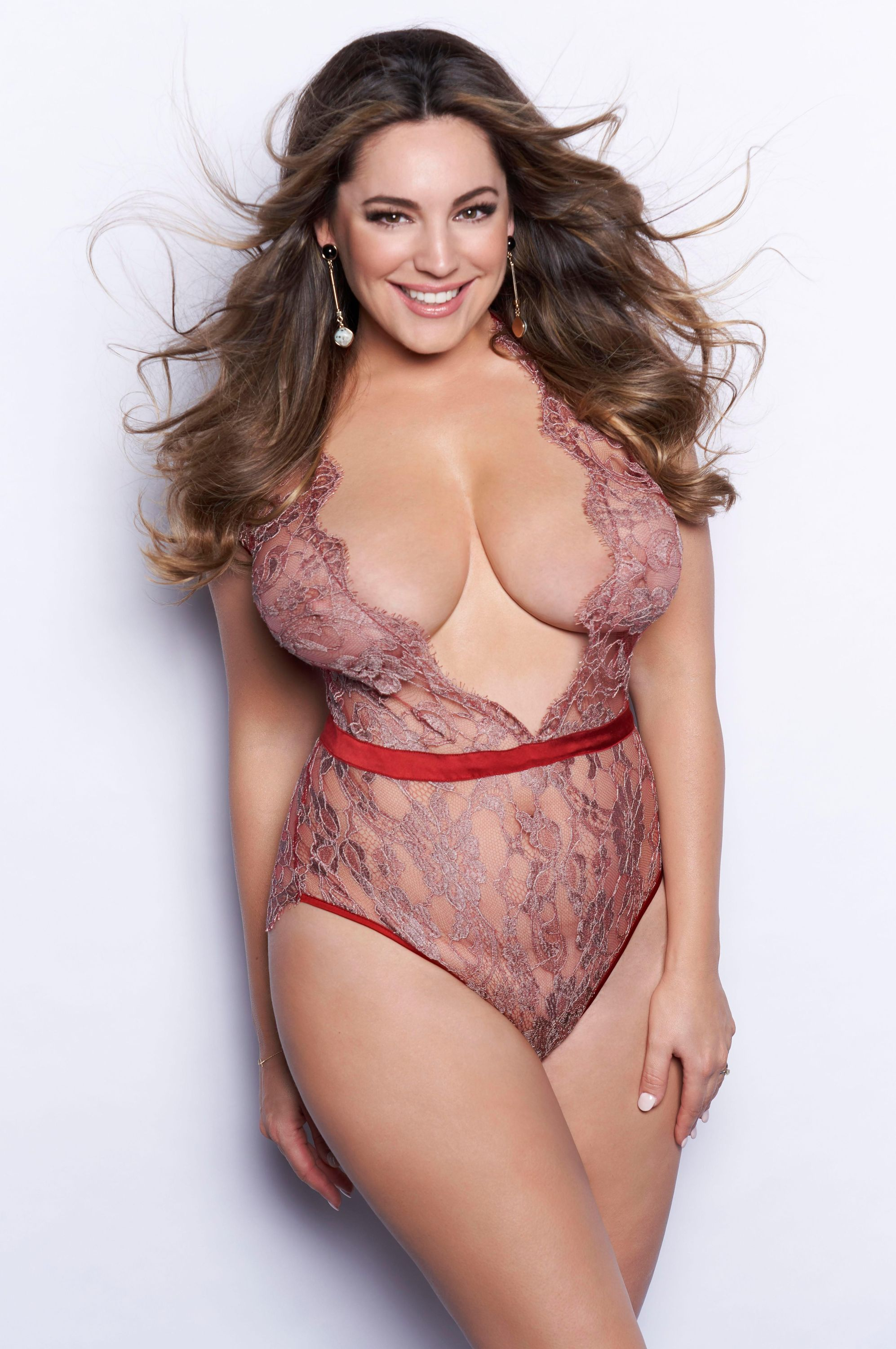 2f40572284 Kelly Brook photo gallery - 1543 best Kelly Brook pics