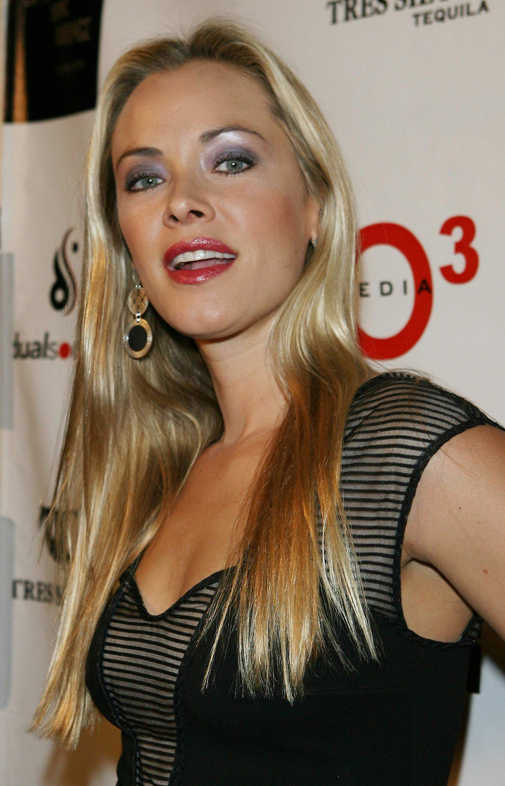 Scarlett johansson 2014 all full hot scenes latest - 1 part 7