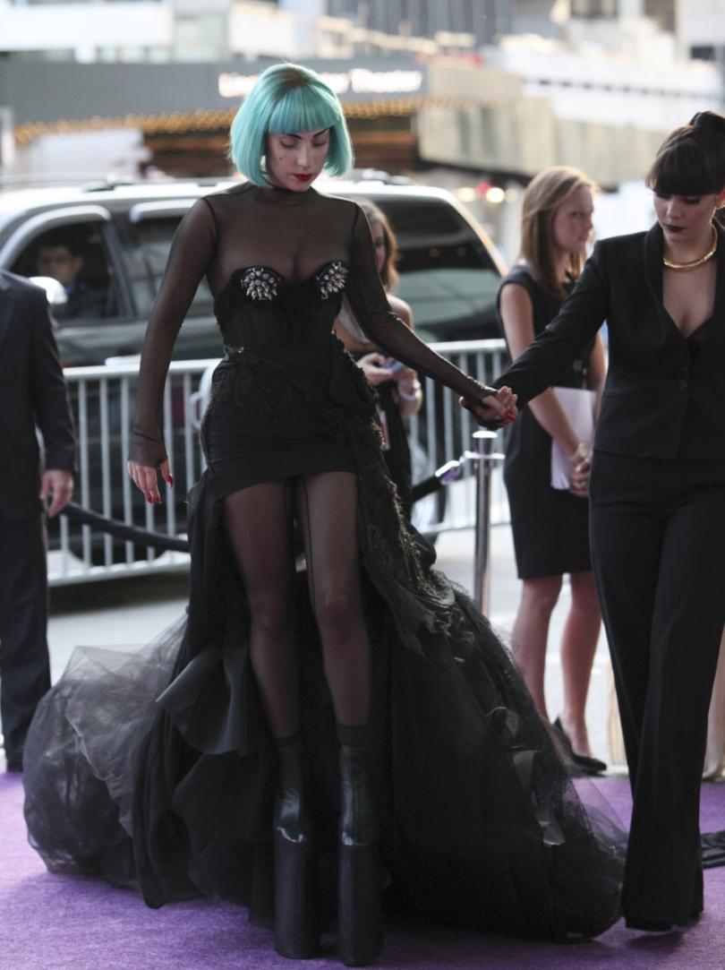 Lady Gaga photo galler...