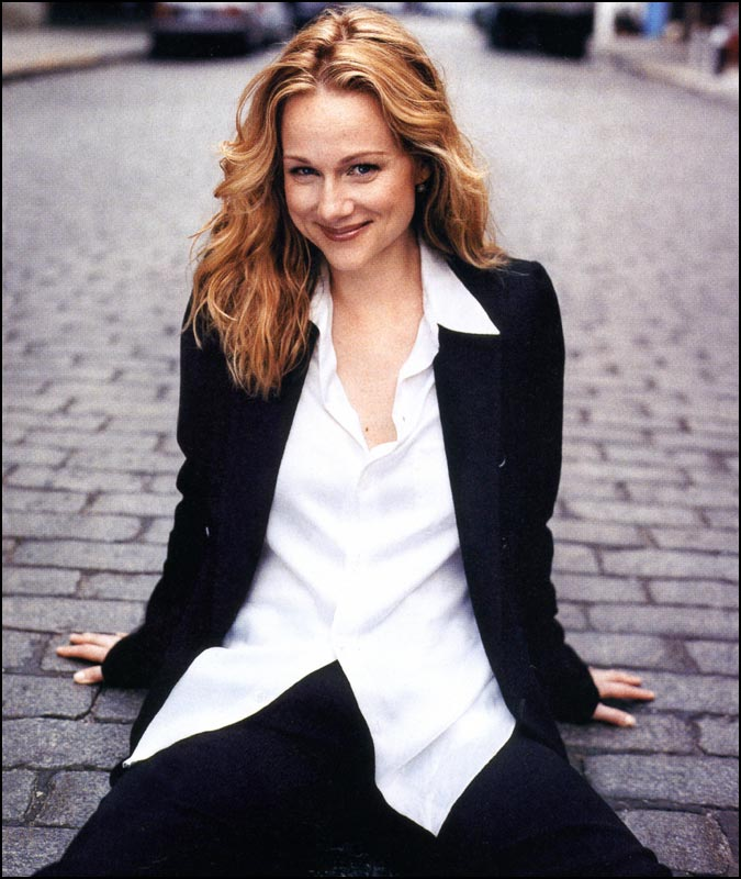 Laura Linney photo #31266