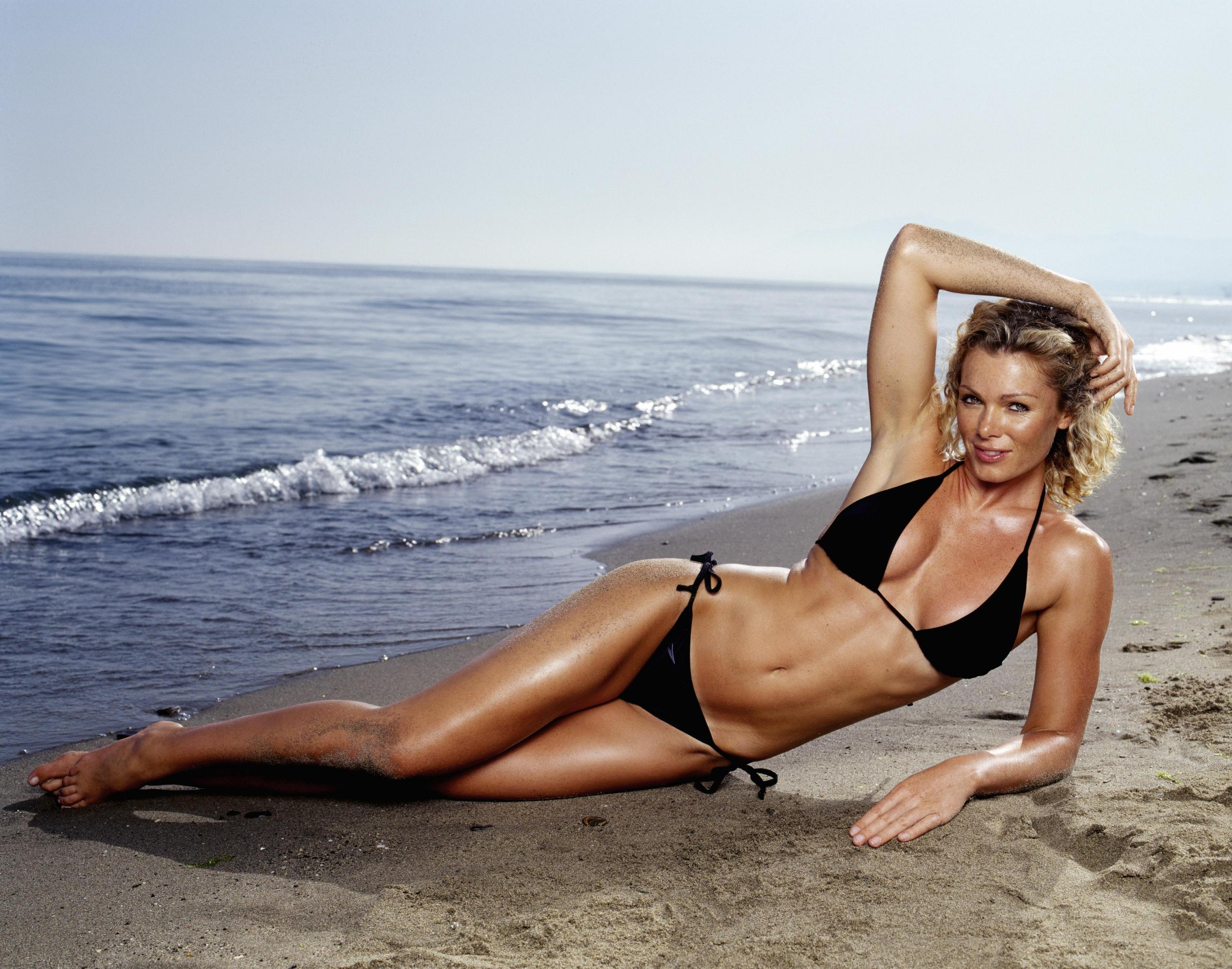 Nell McAndrew photo #210796