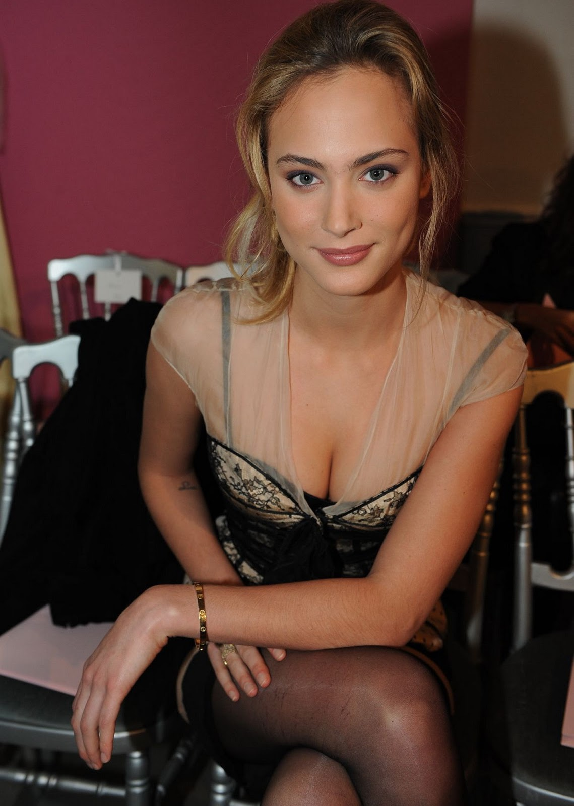 Nora Arnezeder photo #558098