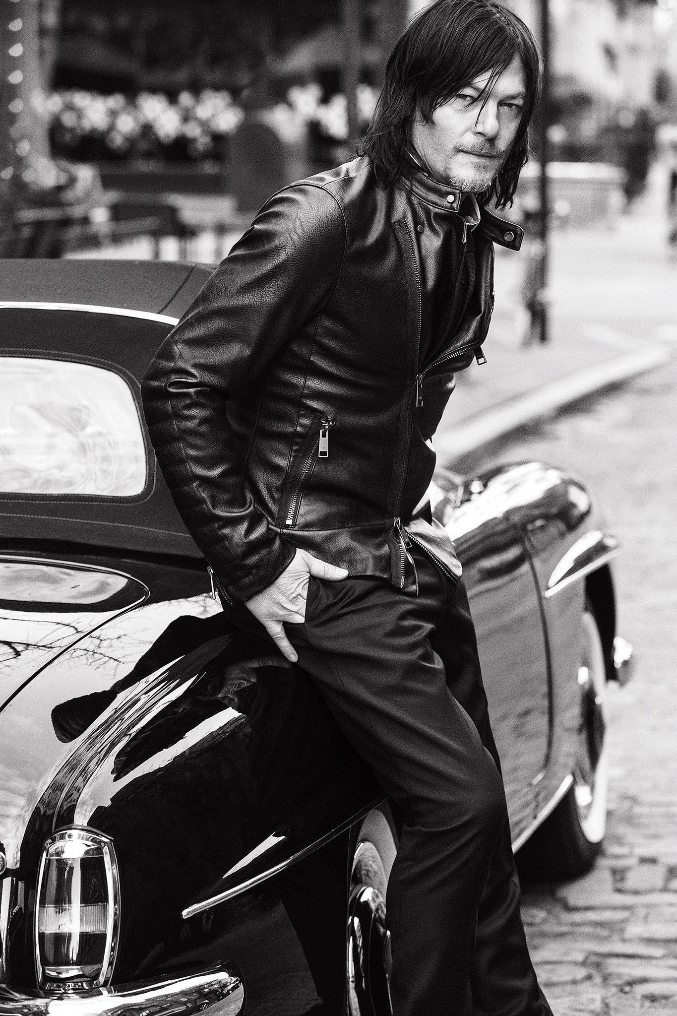 Norman Reedus photo ga...