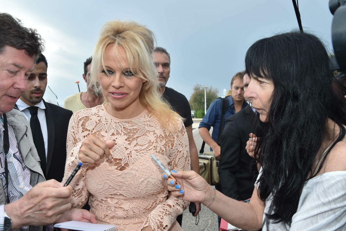 Pamela Anderson photo #719471