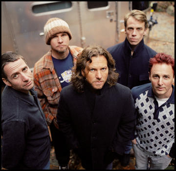 Thumbnail of Pearl Jam photo #654067