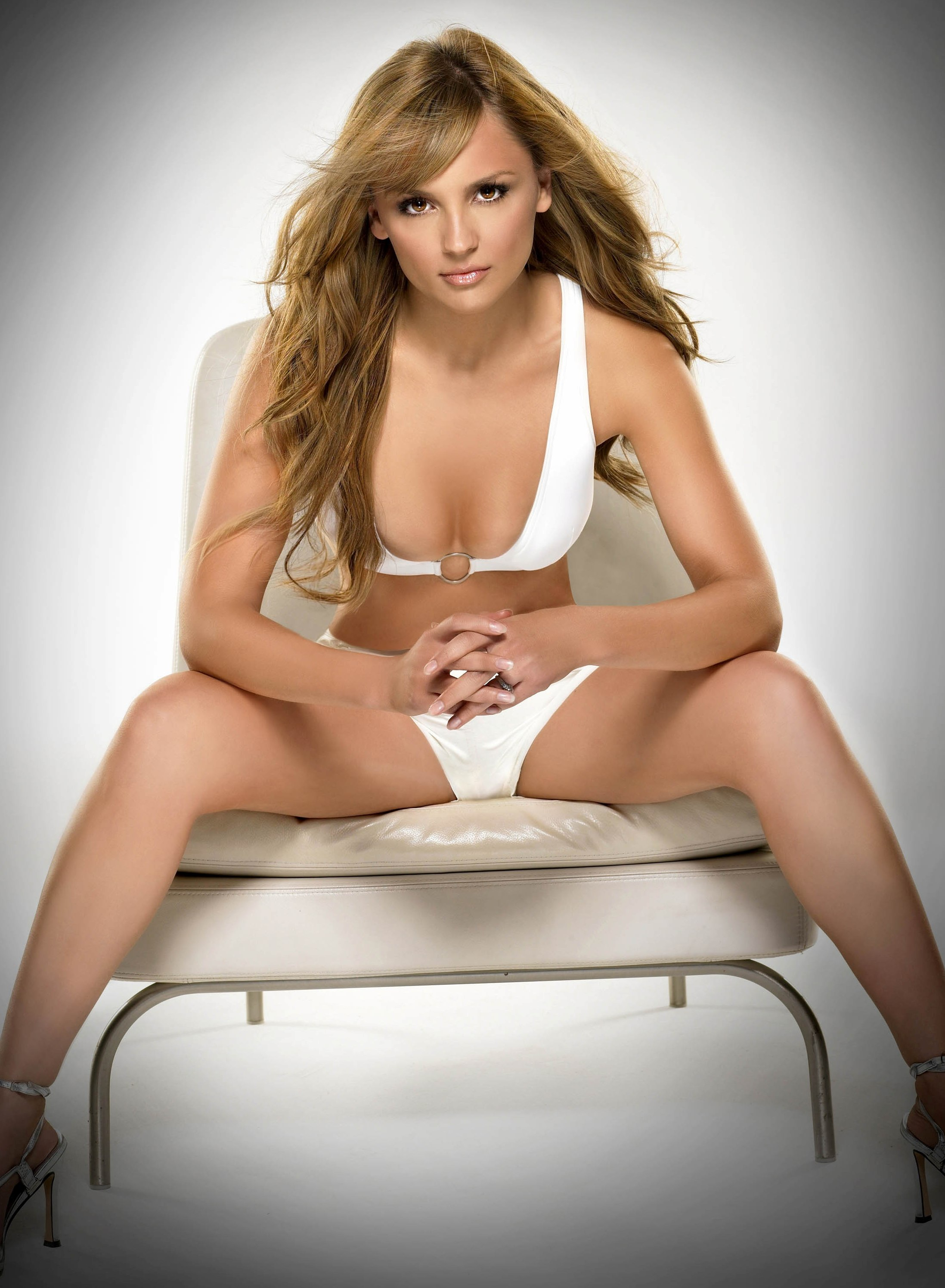 who is dating rachael leigh cook