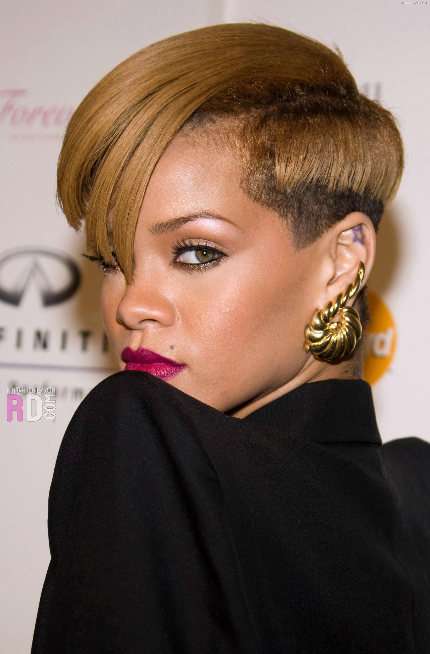 Rihanna hairstyles Collection  Cool Perfect Haircuts