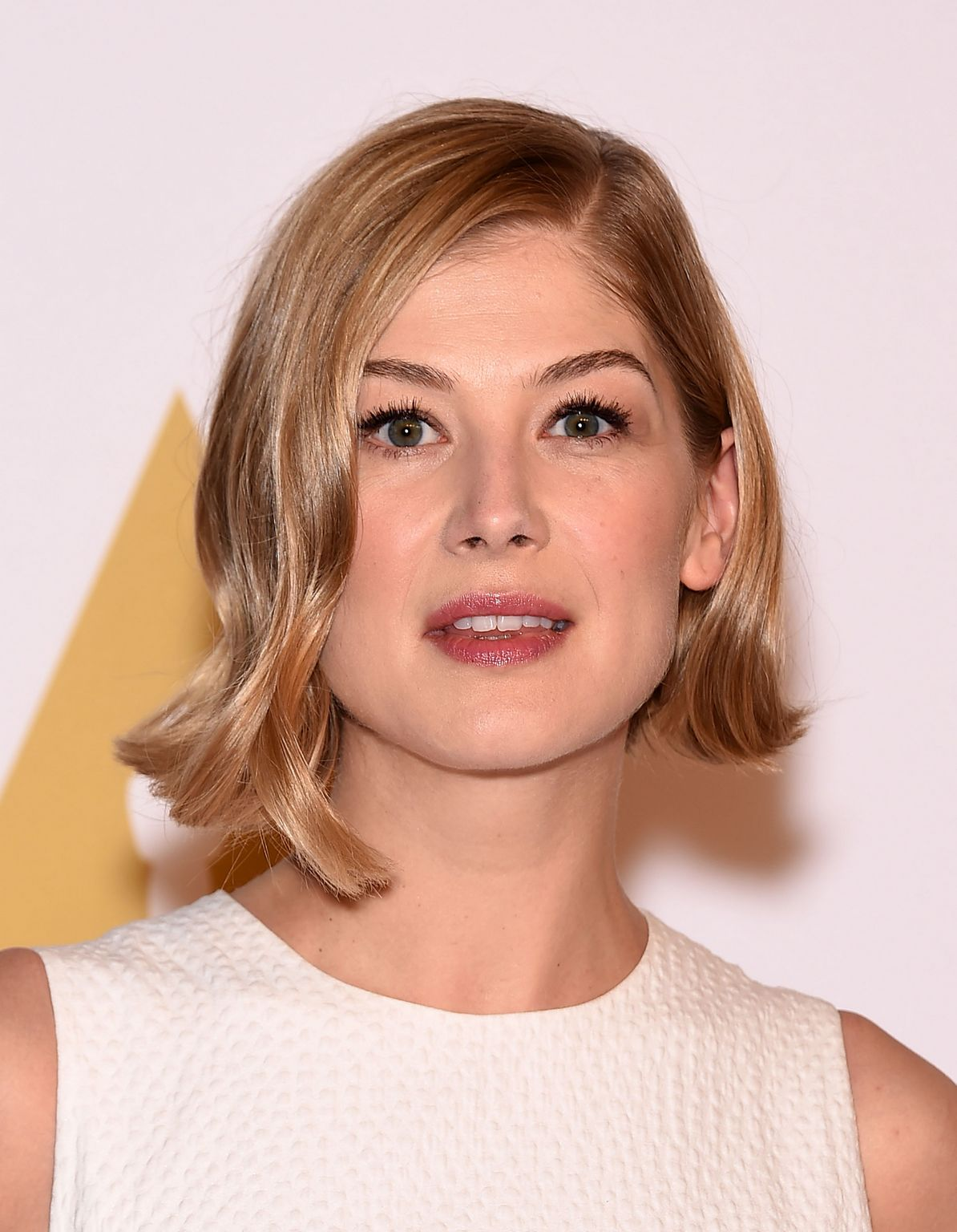 Rosamund Pike photo #6...