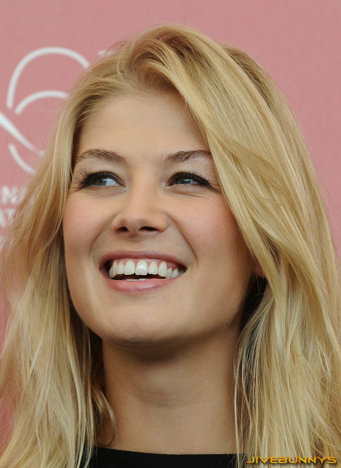 Rosamund Pike photo #745672