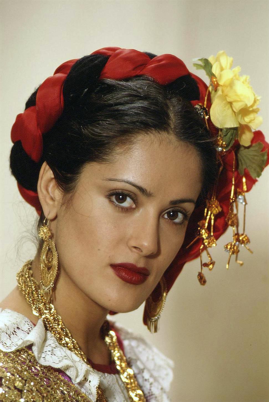фото испанской прически кармен