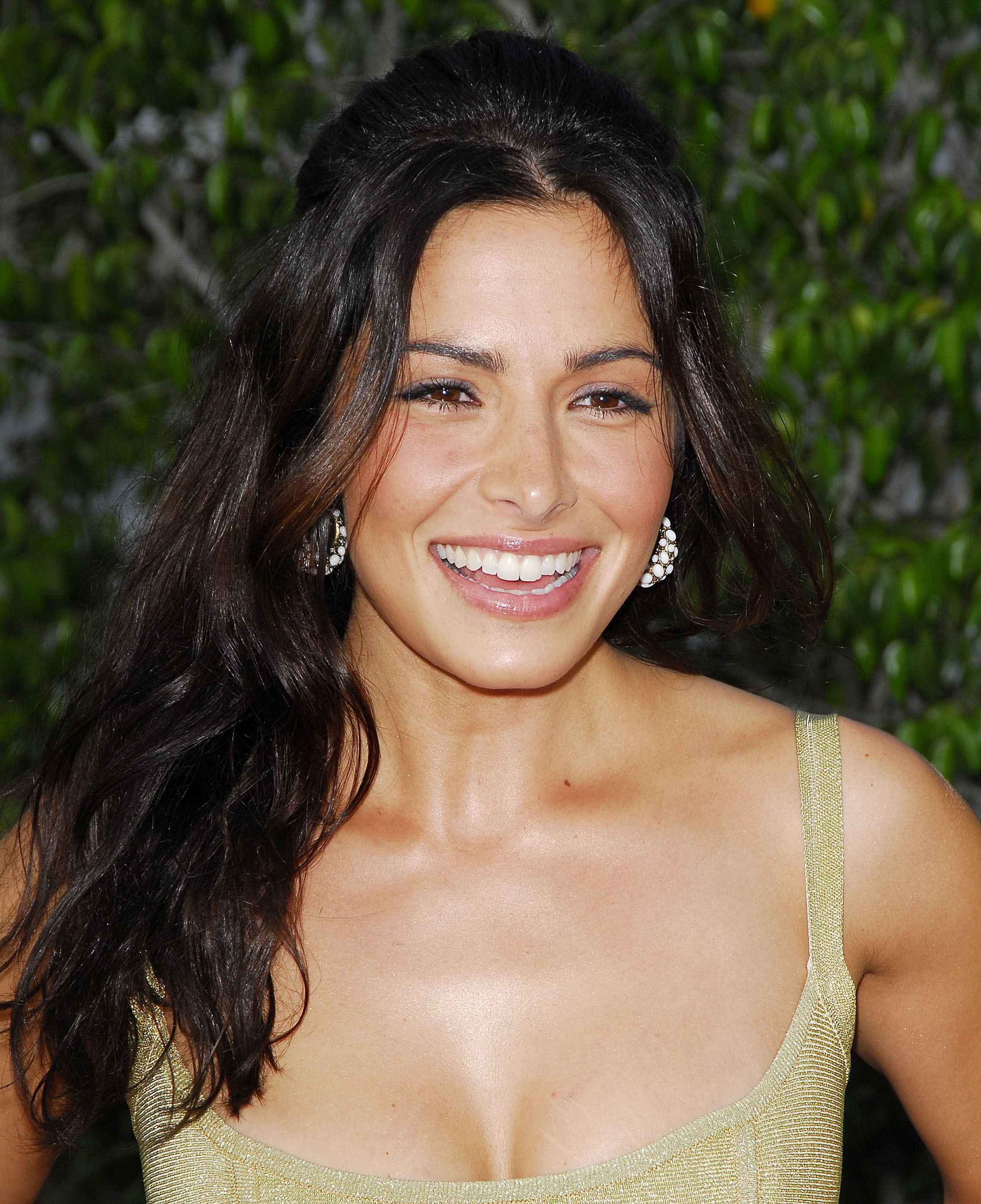 Sarah shahi photo gallery CelebsHookers - Celebs Pussy, New Naked Leaked