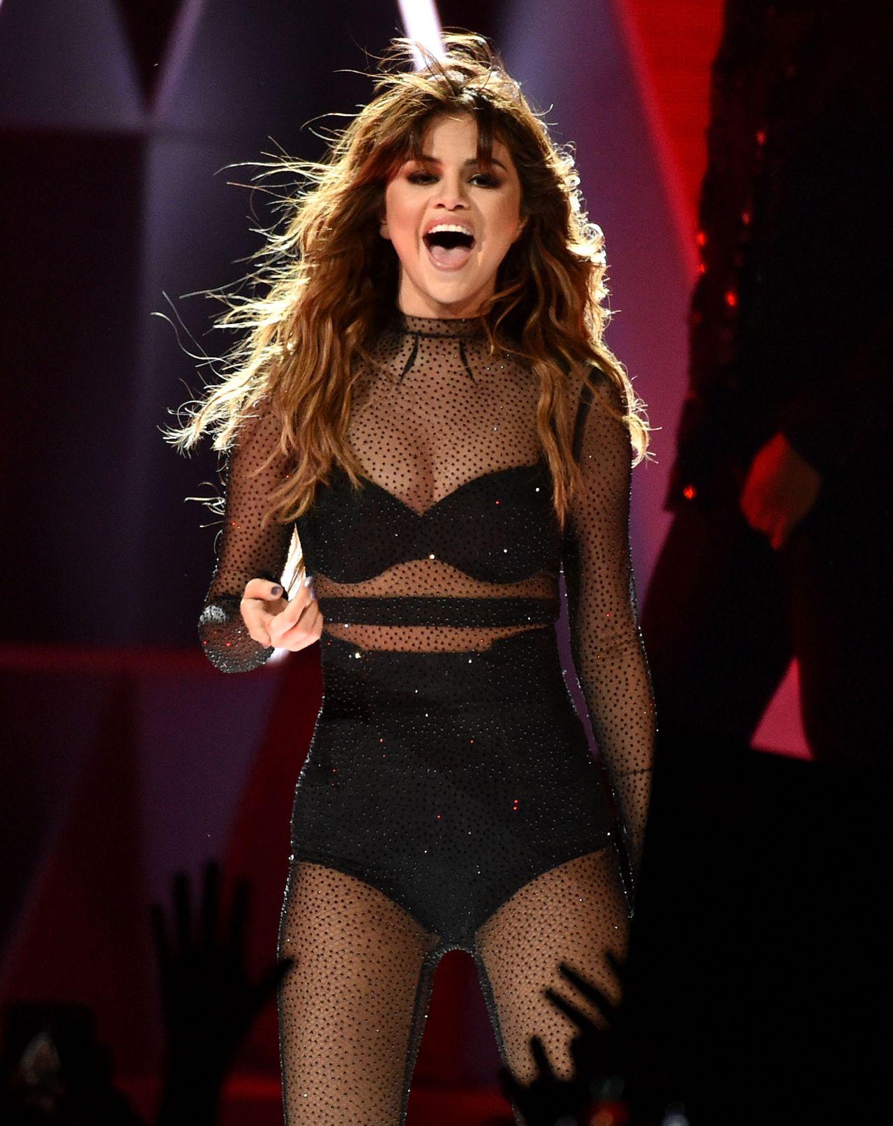 Selena Gomez photo gallery - page #3 | Celebs-Place.com