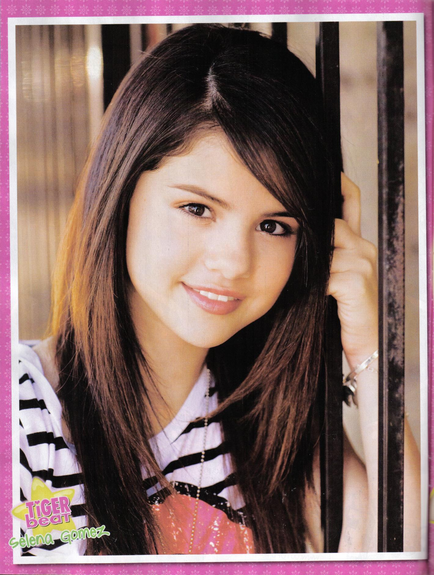 Фото причесок на средние волосы для девочки
