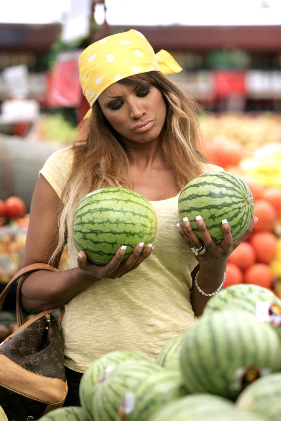Watermelons like a milkmaid: Anna Semenovich is asked to reduce her breasts 07/17/2018 8