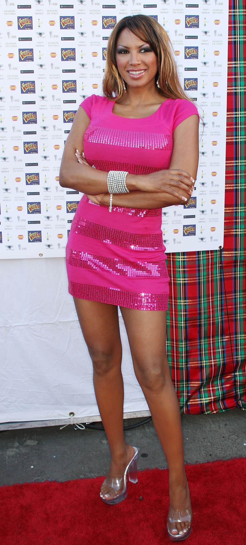 Upasna Singh Hot tube Lynette Curran,Sally Phillips (born 1970)