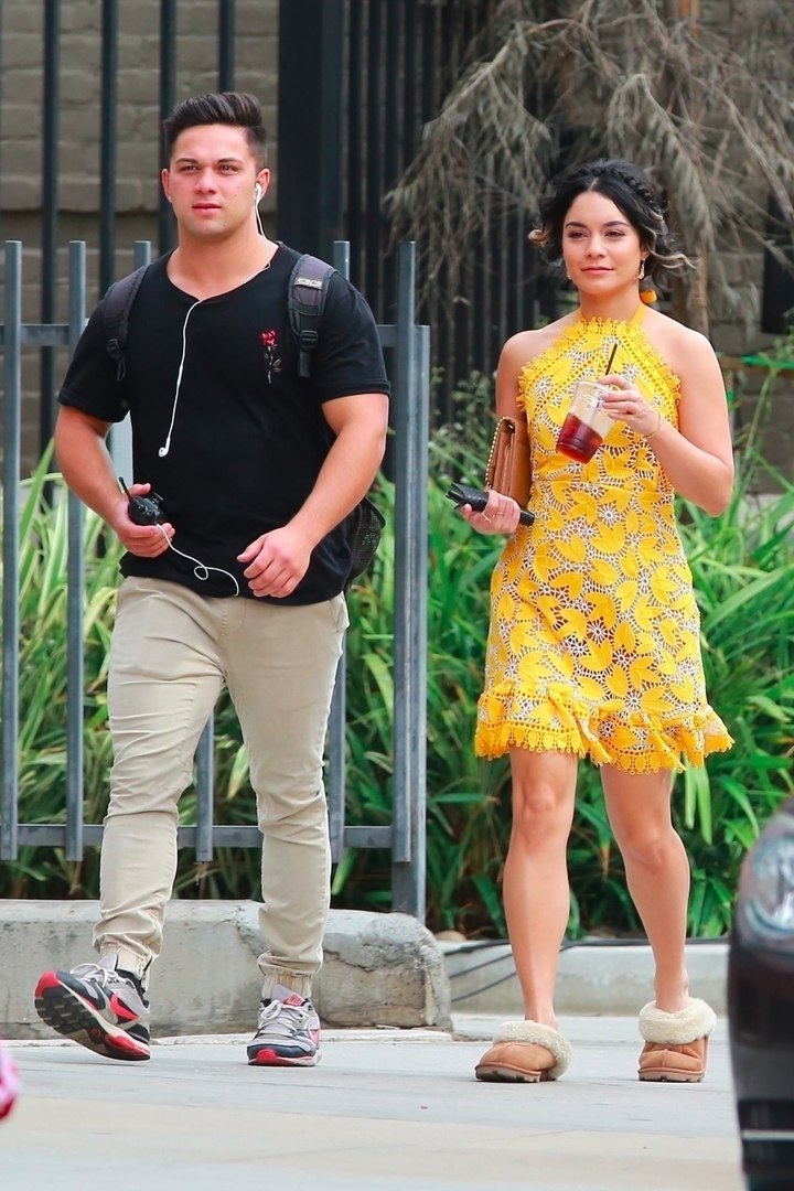 Vanessa Hudgens photo #816225
