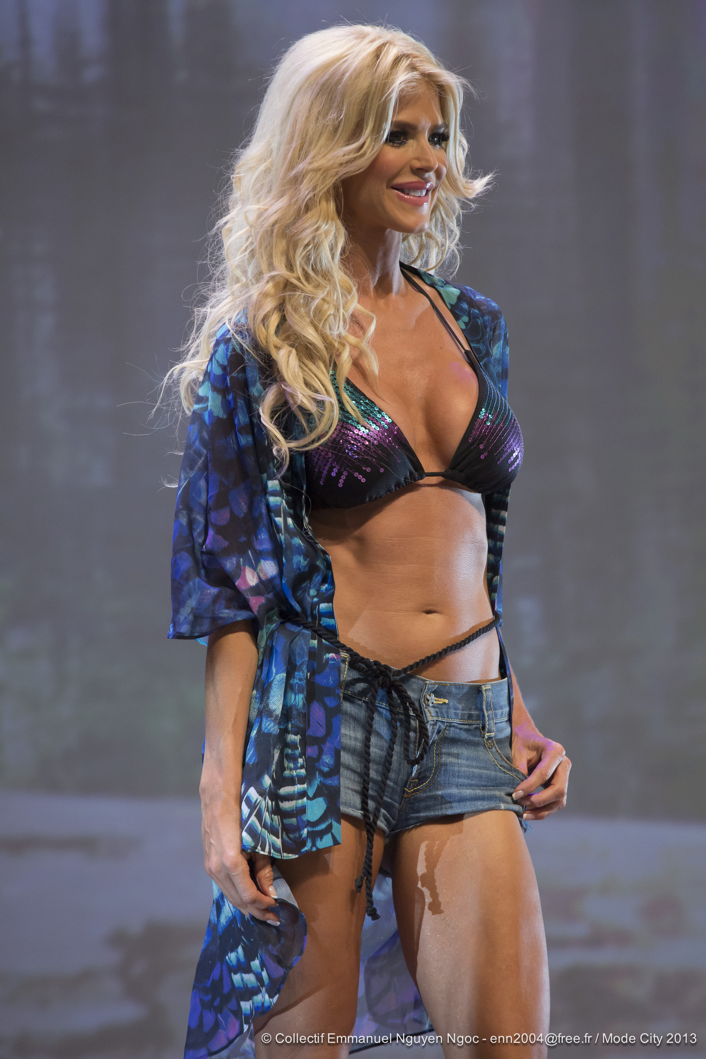 threads Victoria Silvstedt page