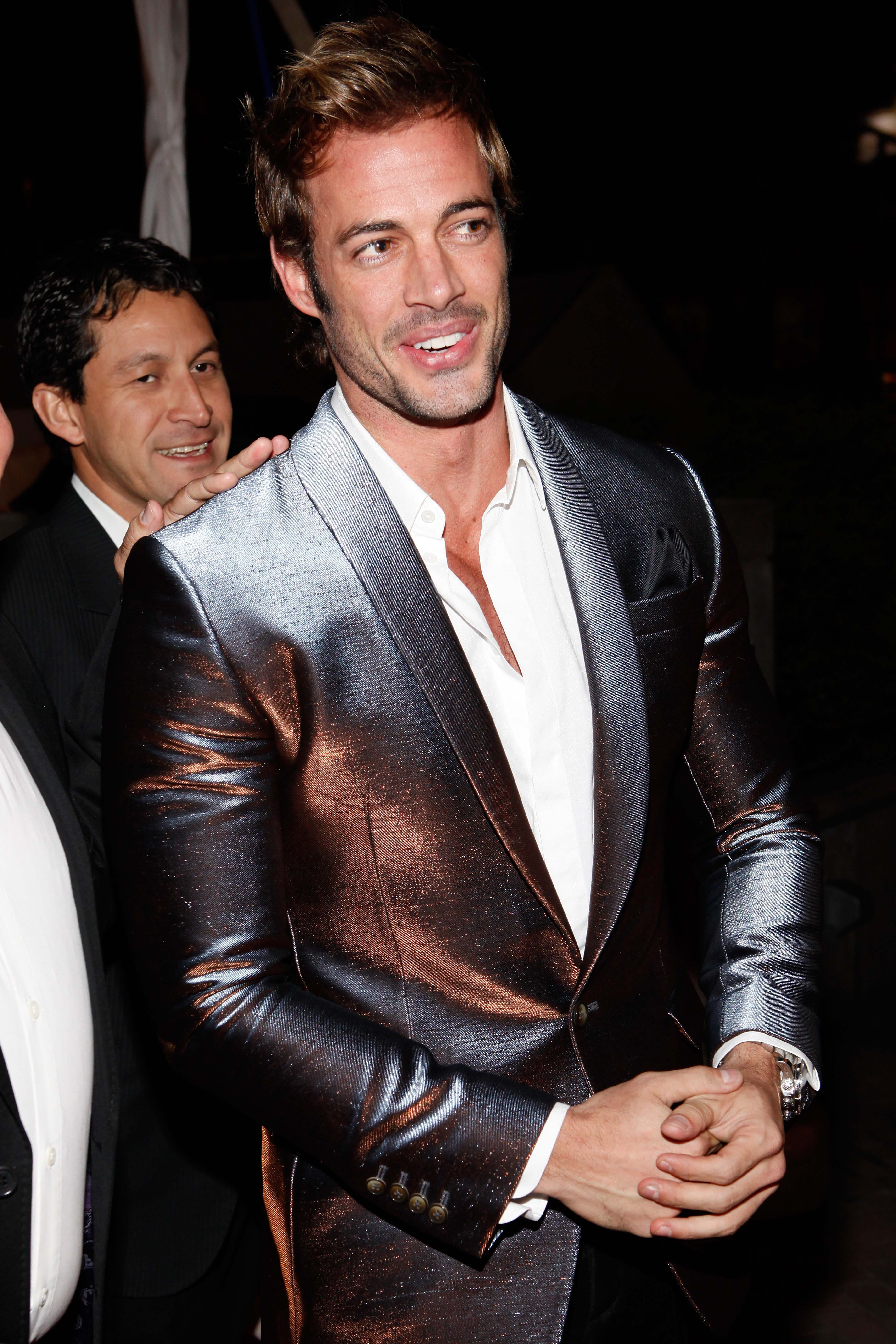 Fotos William Levy En Traje De Bao Mihai 555 Timer And 4017 Decade Counter Traffic Lights Circuit