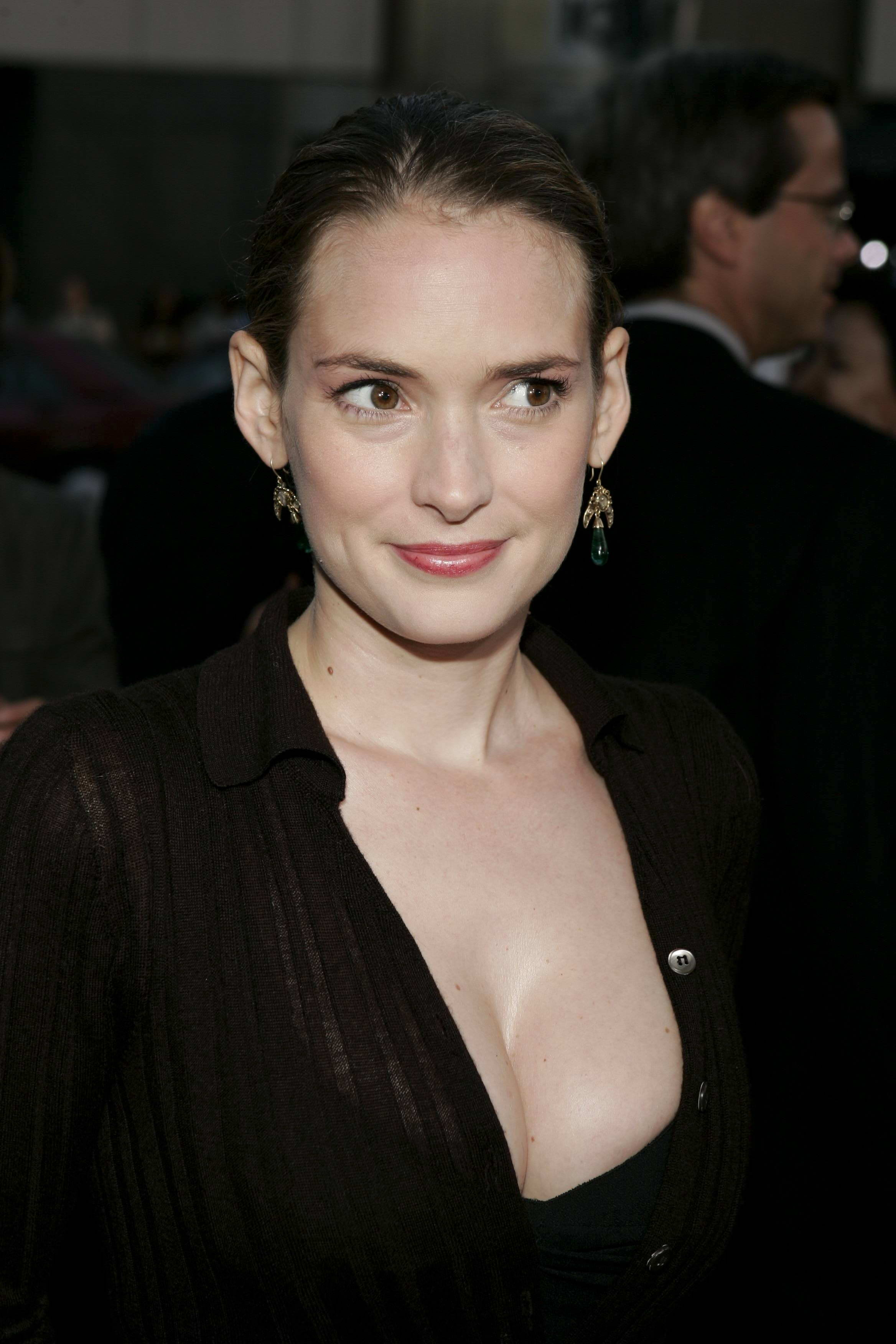 Image Result For Winona Ryder Wallpapers