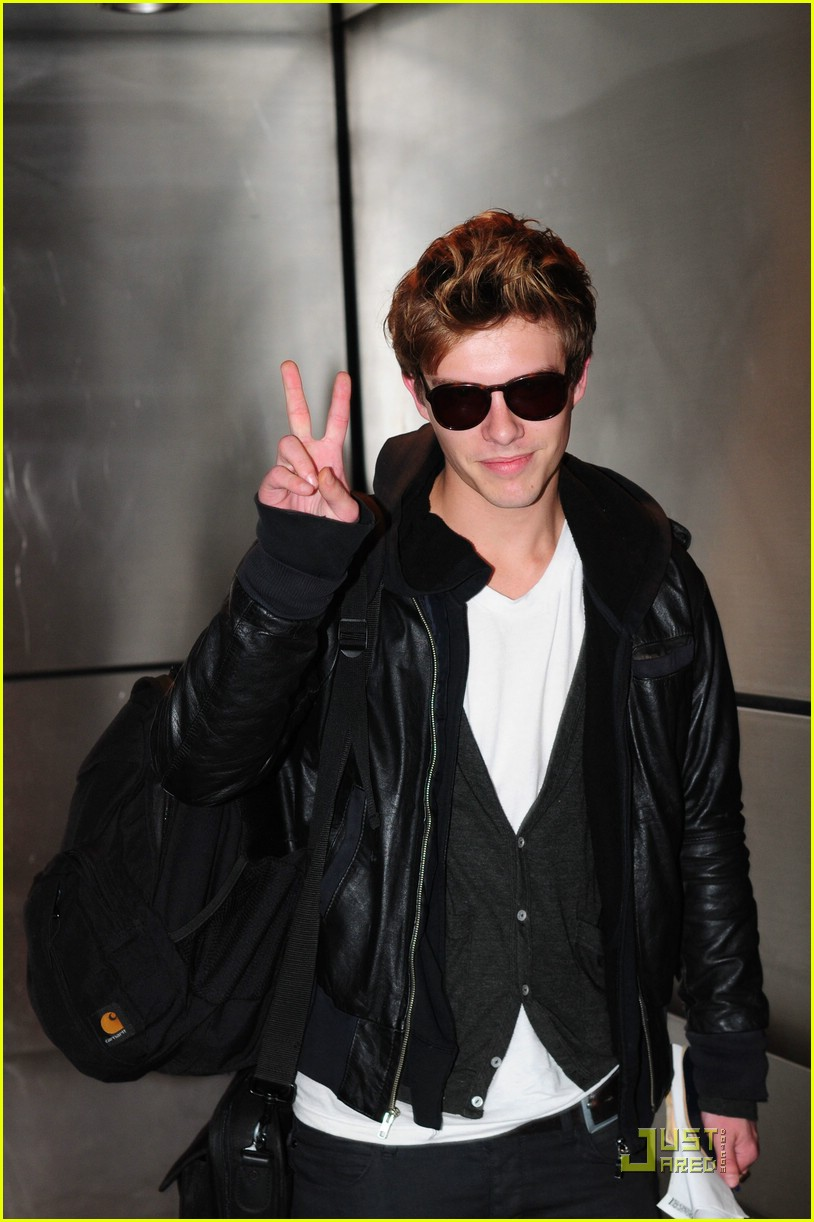 Xavier Samuel photo #129309